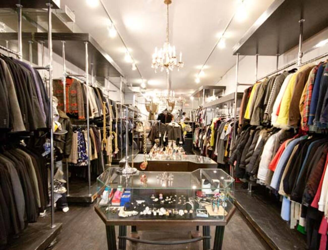 Designer consignment boutique a hit on queen west for Consignment wedding dresses bay area