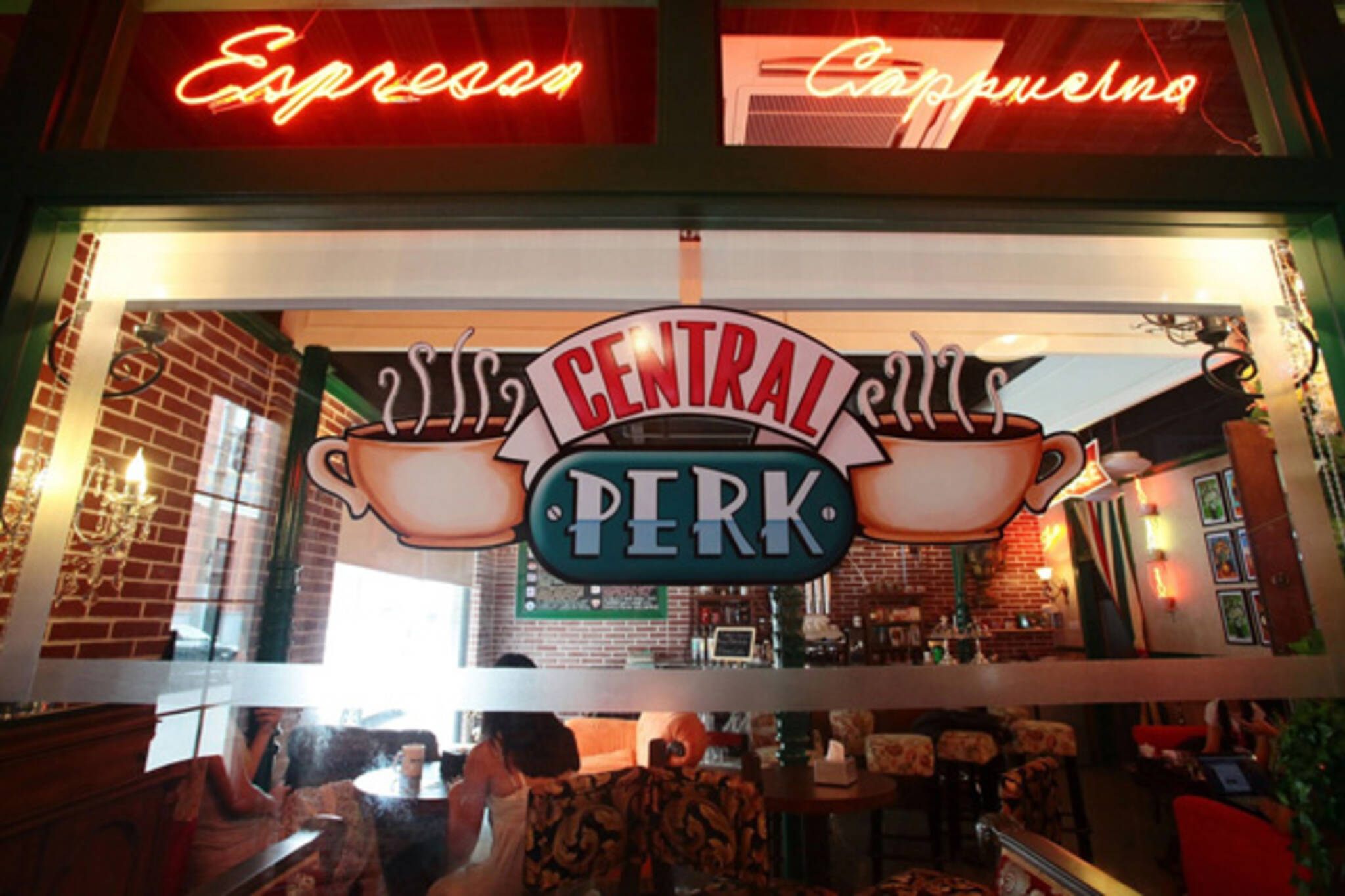 Is There A Central Perk Cafe In New York