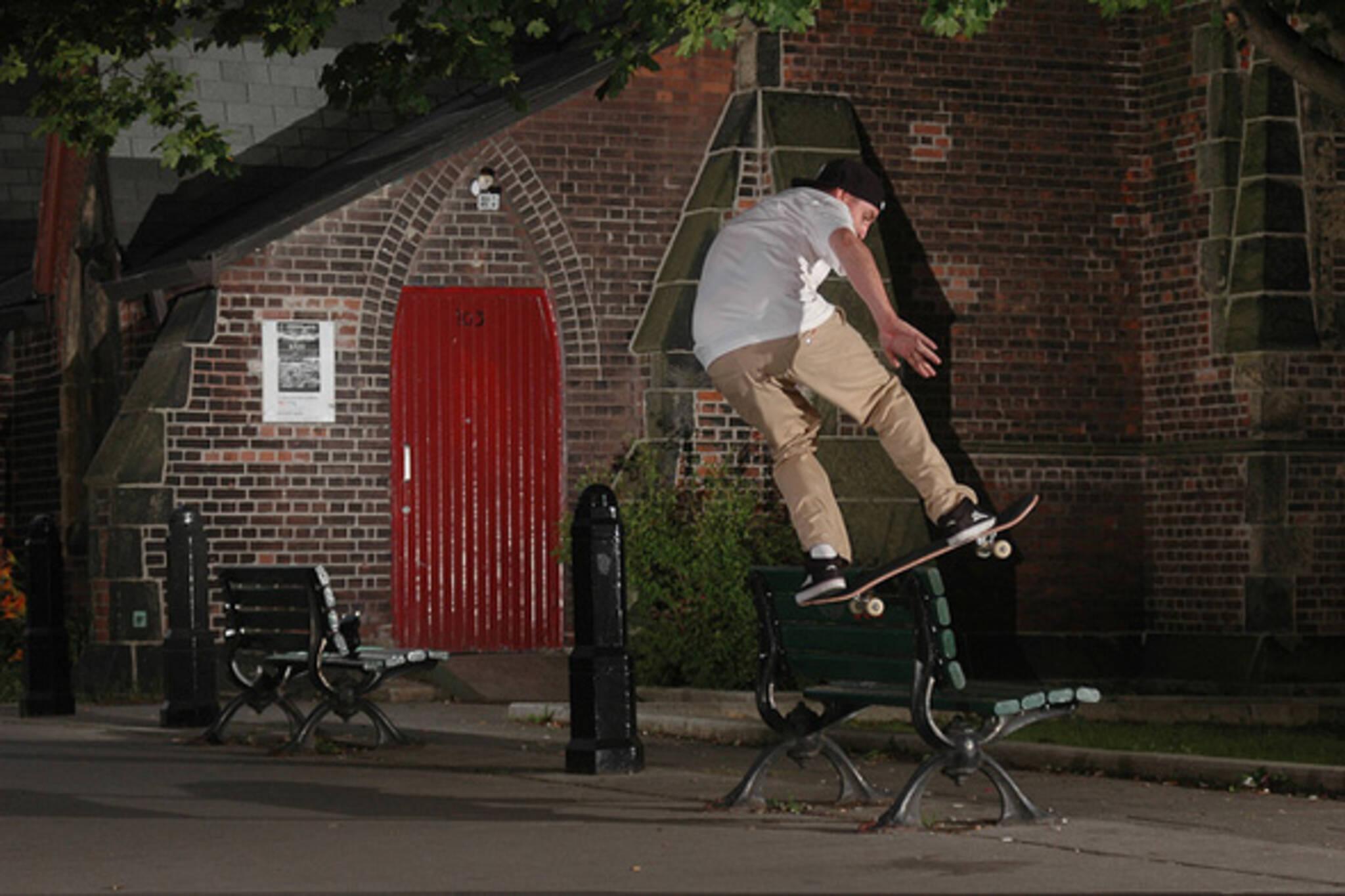 skate, toronto, night