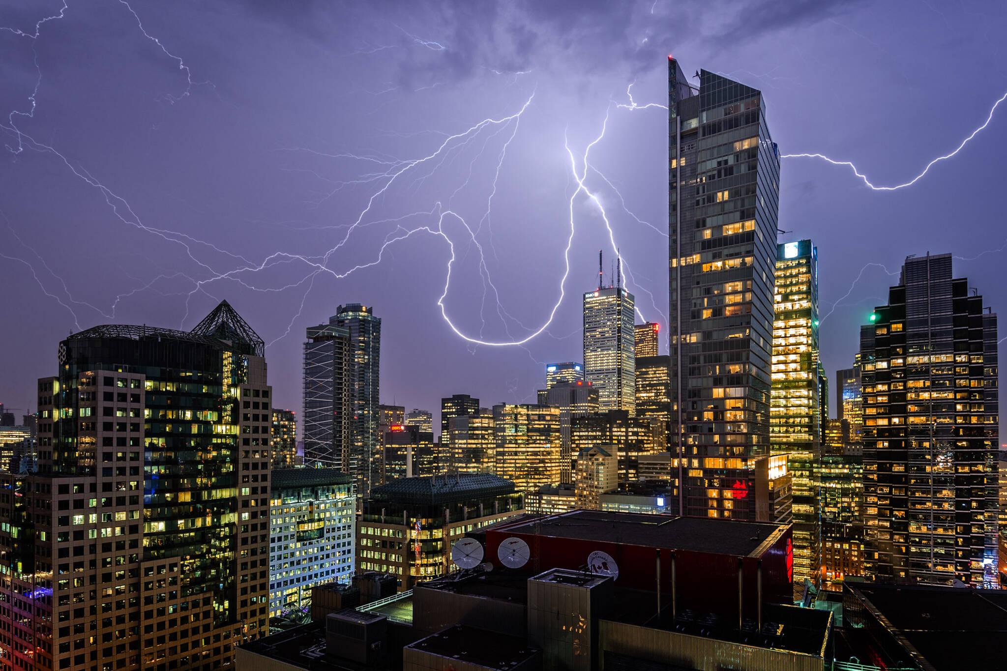 toronto thunderstorm weekend