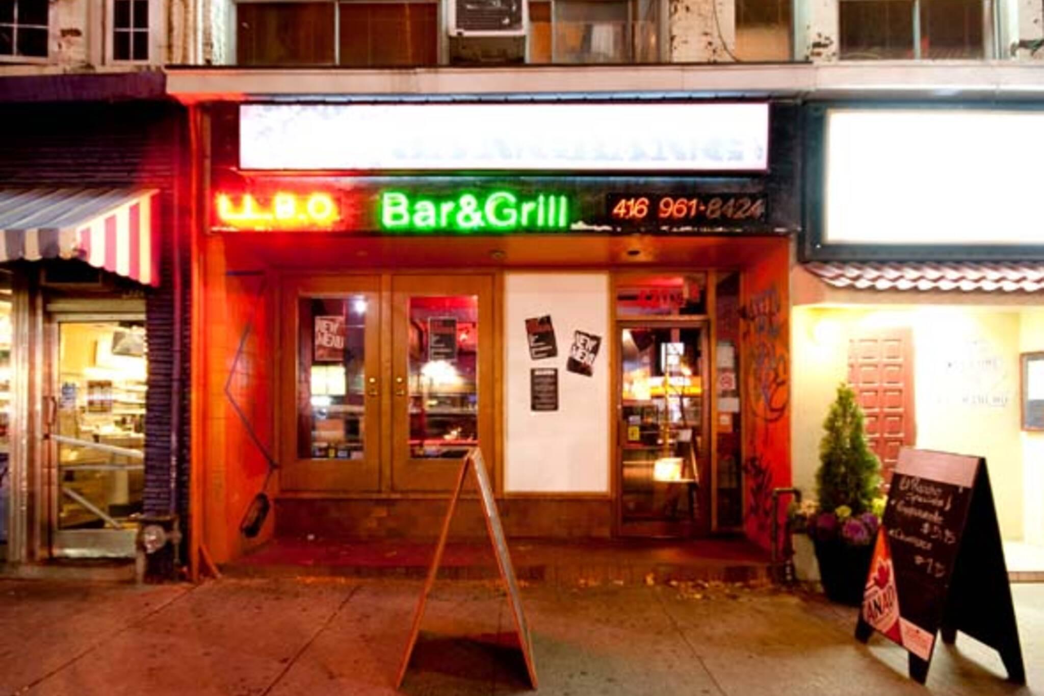 College Street Bar
