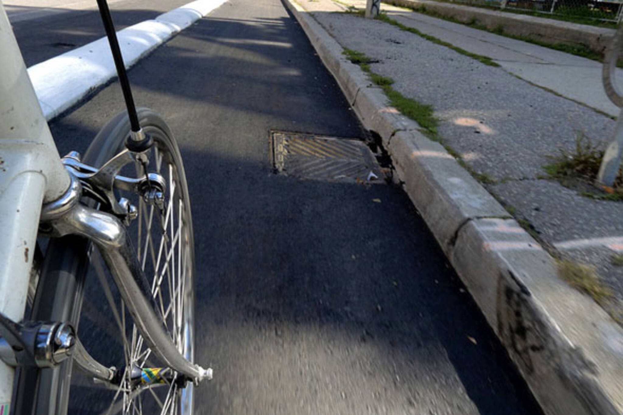 toronto sherbourne bike lane