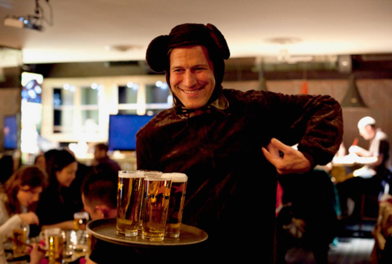 Bob Blumer Hosts One Weird Ass Dinner At The Drake