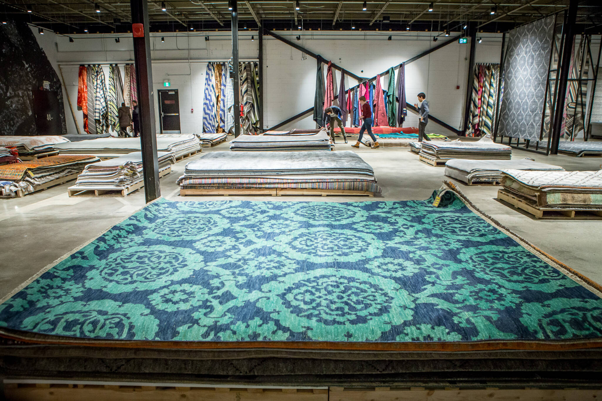 stores for area rugs and carpets in Toronto
