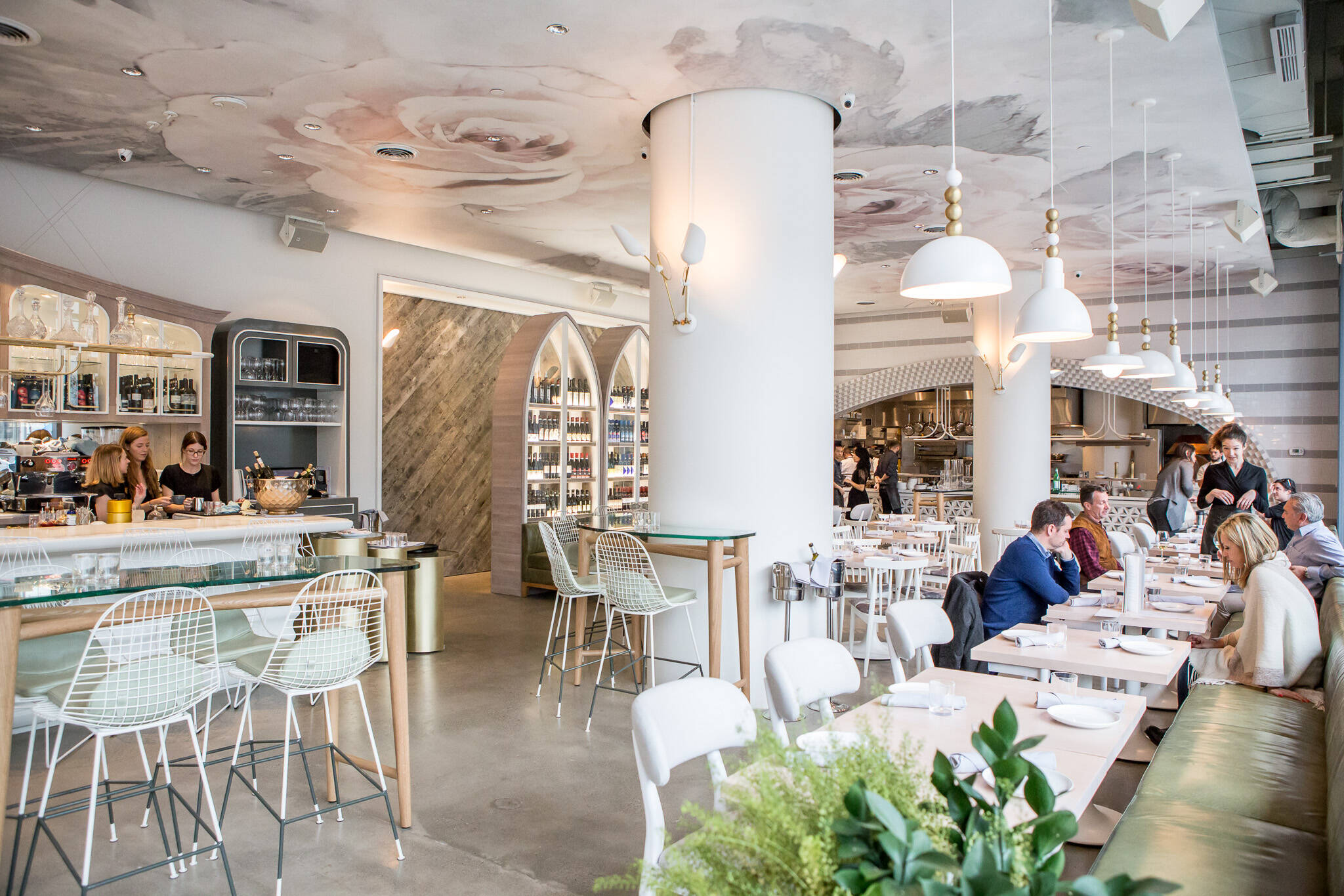 Restaurants with stunning interior design in toronto