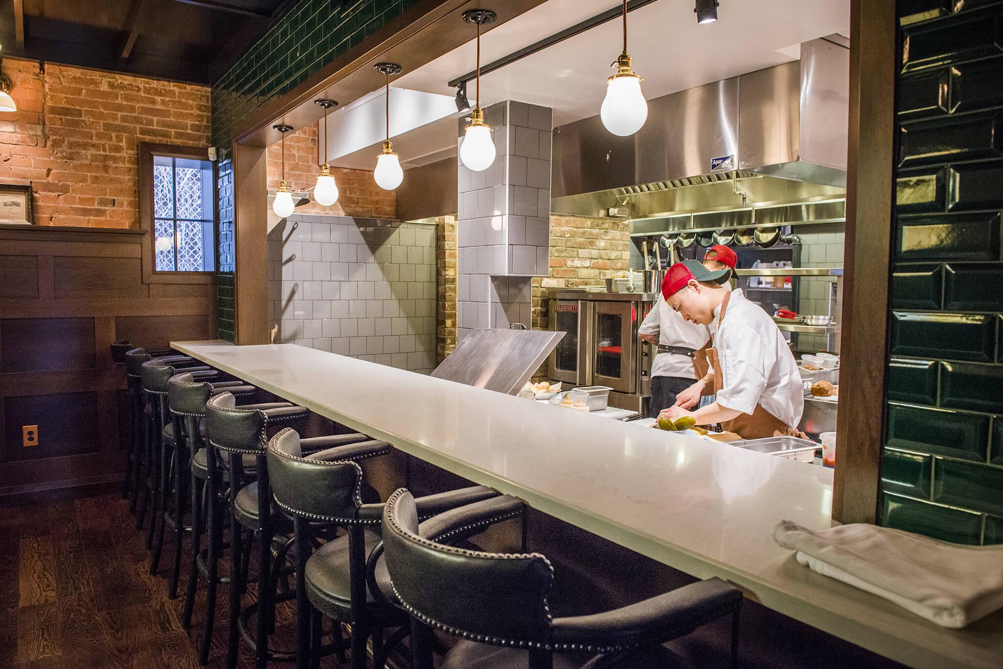 restaurants toronto indoor dining