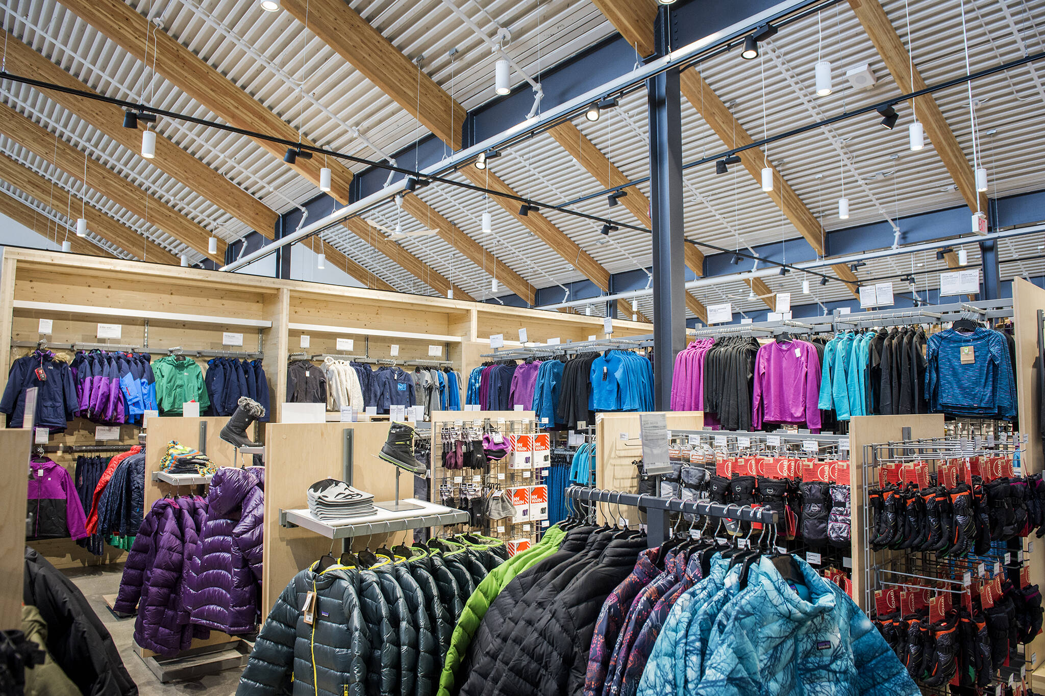 f1408260d6f0 The top 25 stores for warm winter clothing in Toronto