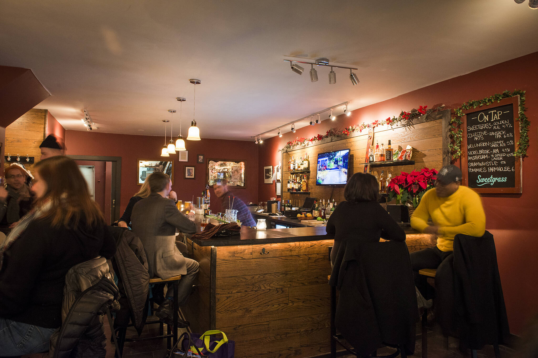 indoor dining toronto