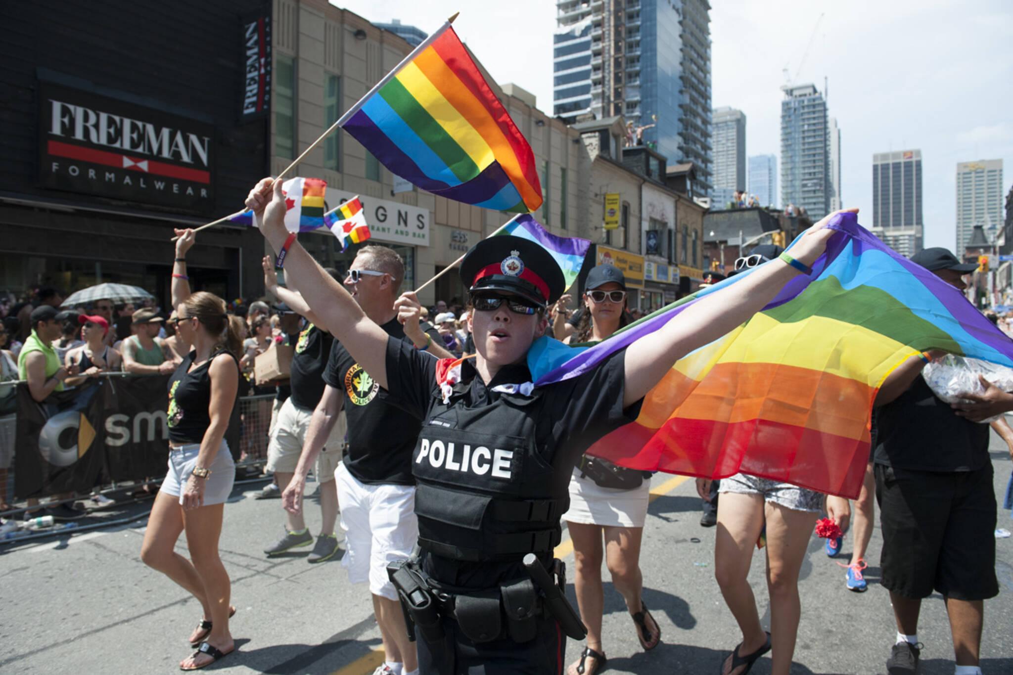 toronto police pride parade