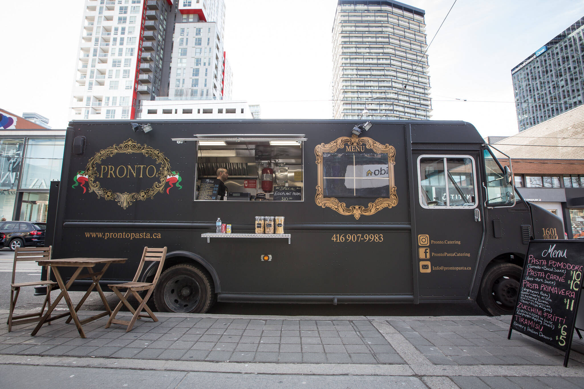 the top 10 new food trucks in toronto for 2017. Black Bedroom Furniture Sets. Home Design Ideas