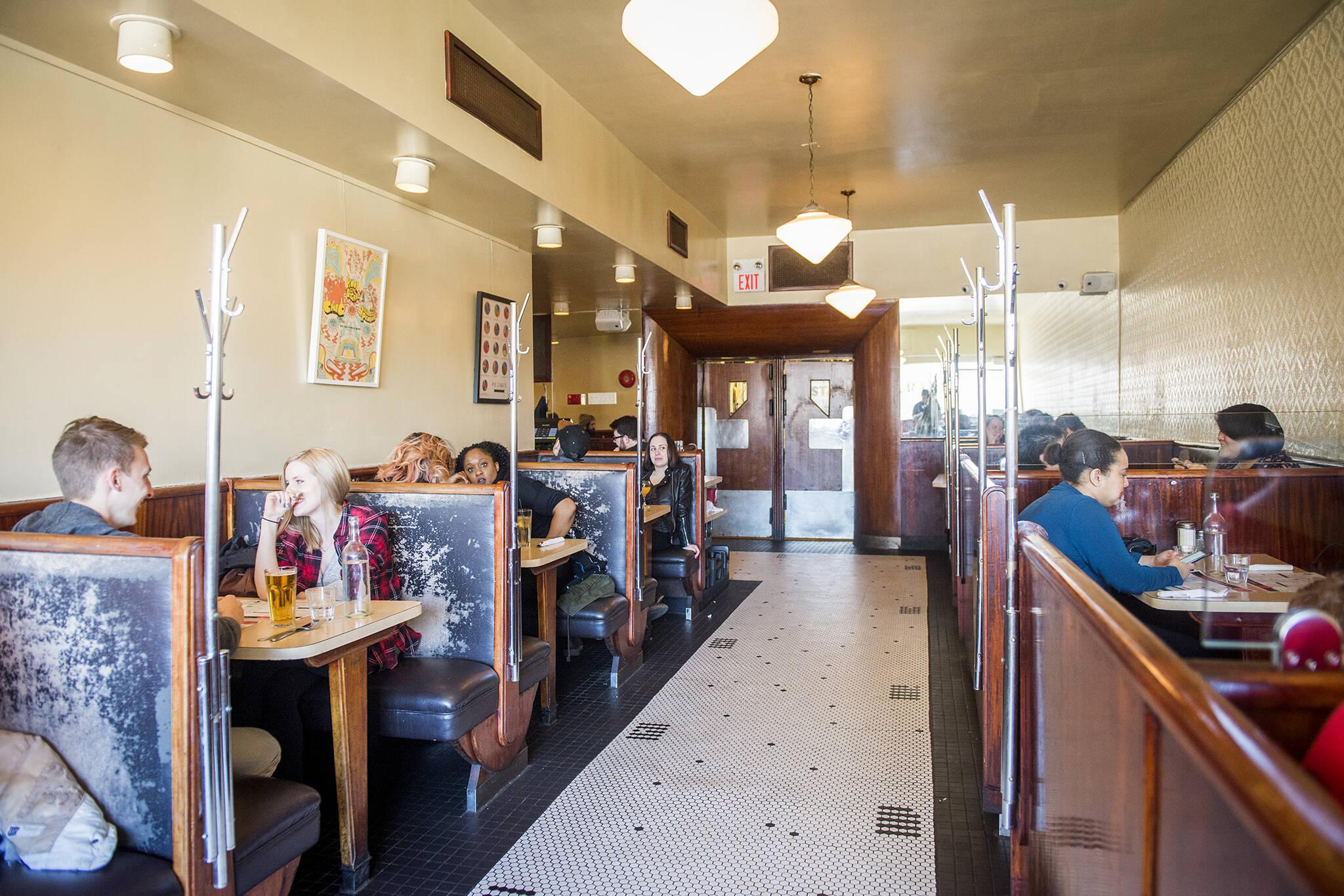 toronto indoor dining