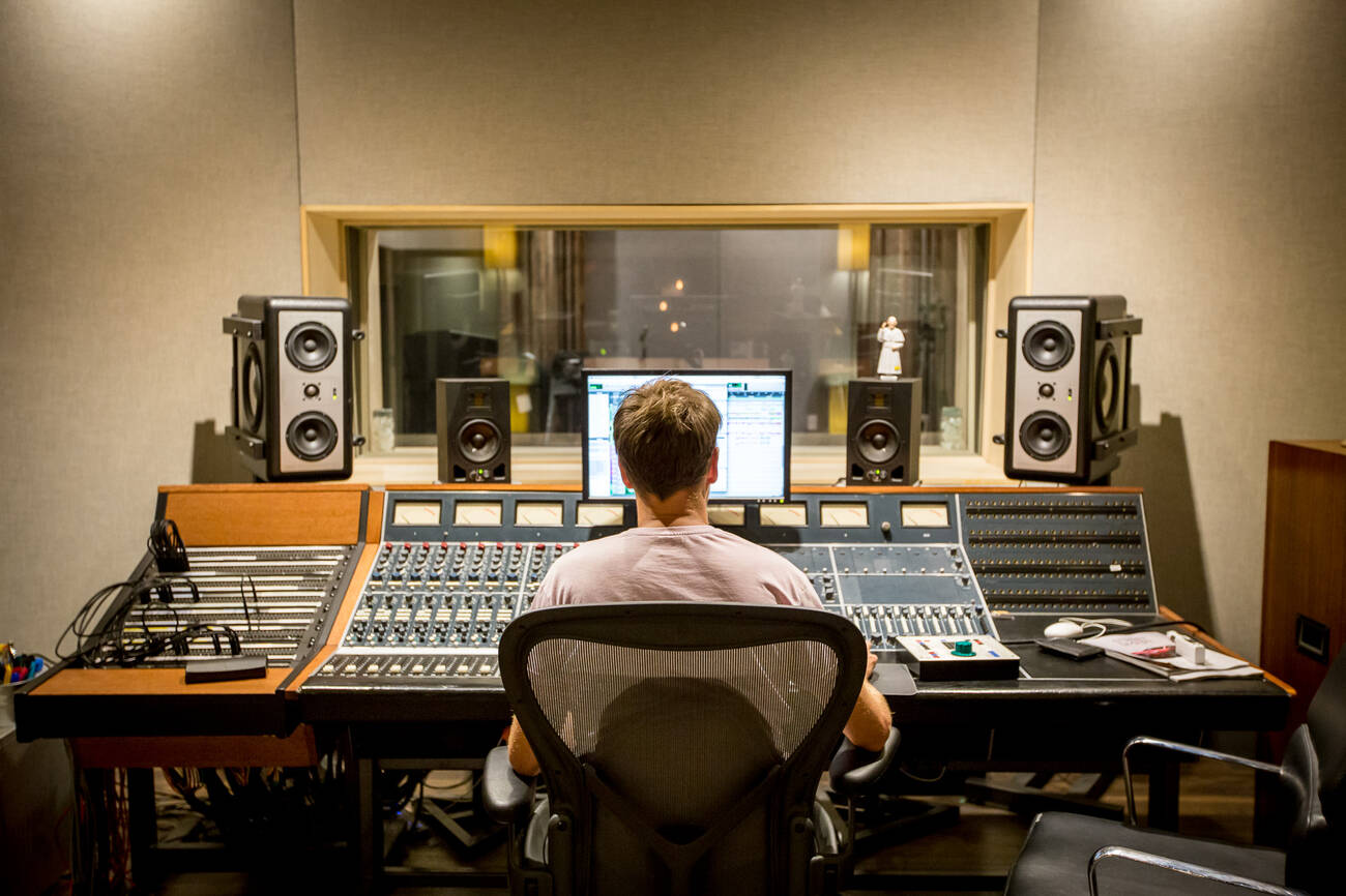 the top 10 recording studios in toronto. Black Bedroom Furniture Sets. Home Design Ideas