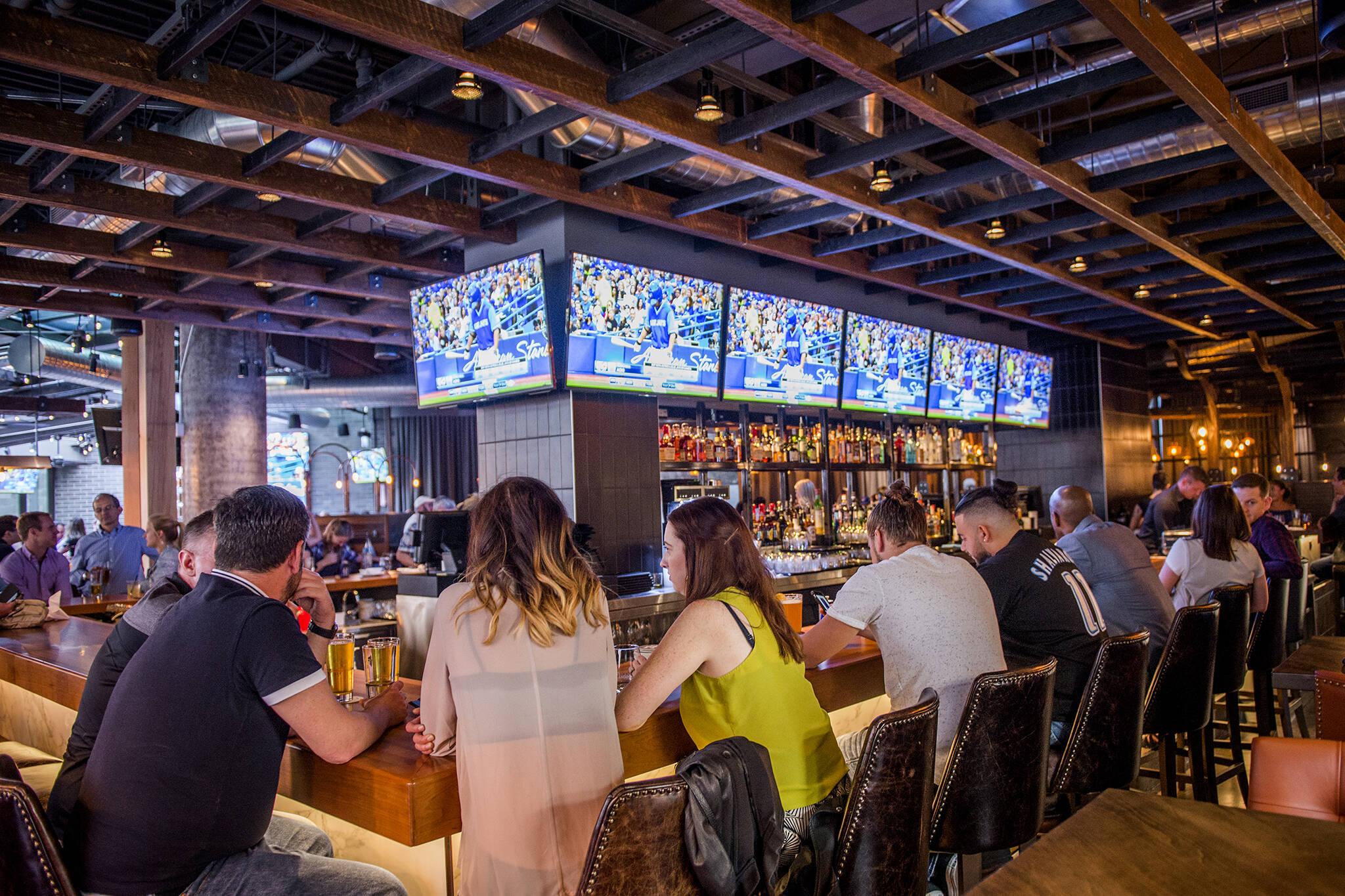 sports bars toronto