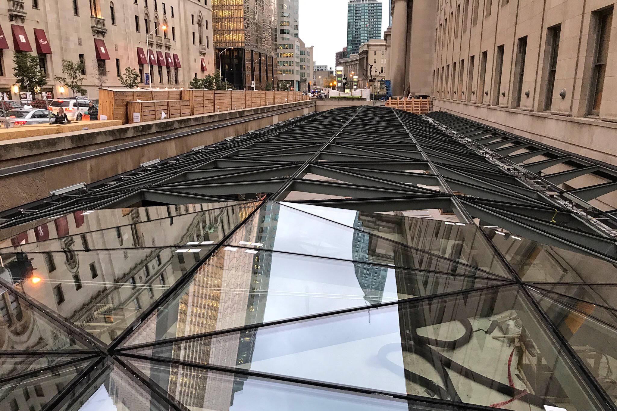 union station glass moat
