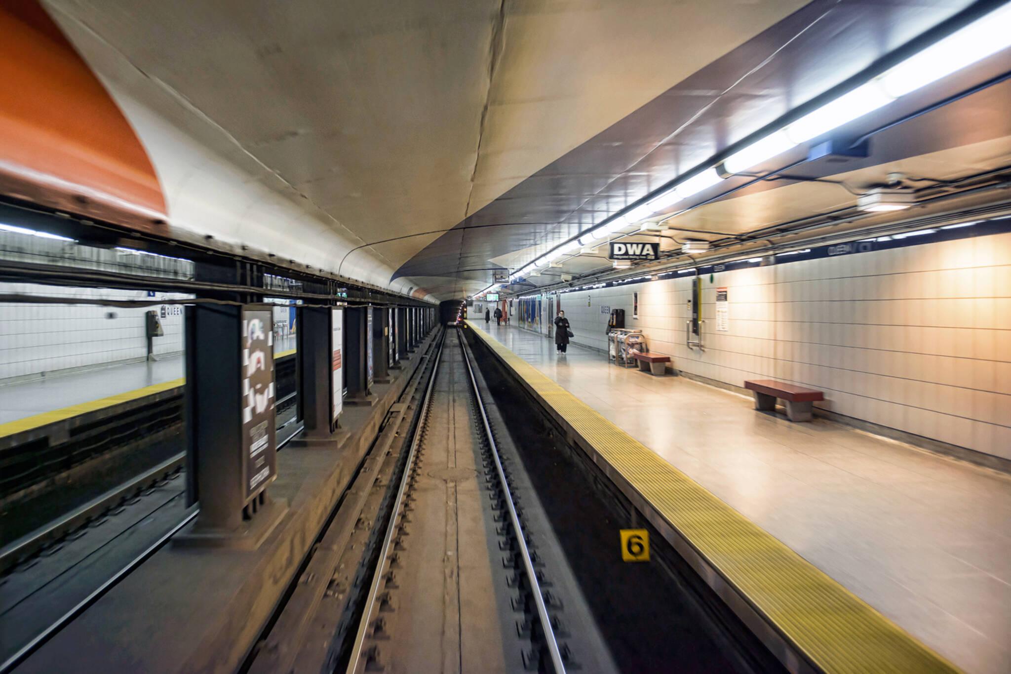 queen subway ttc