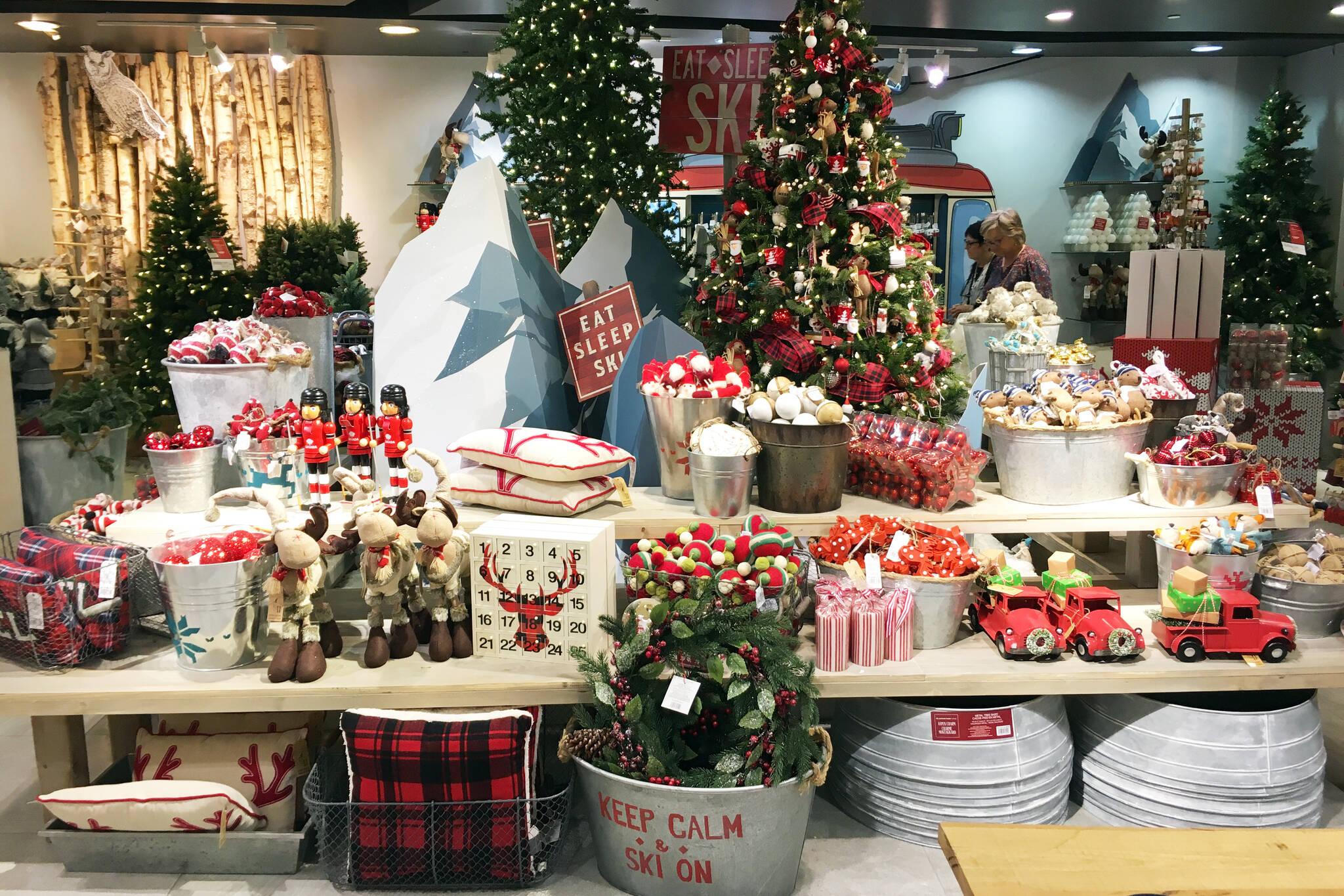 Toronto stores already selling Christmas decorations and people aren ...