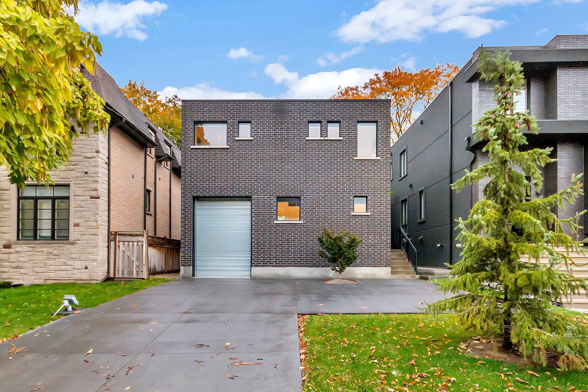 84 Carmichael Toronto