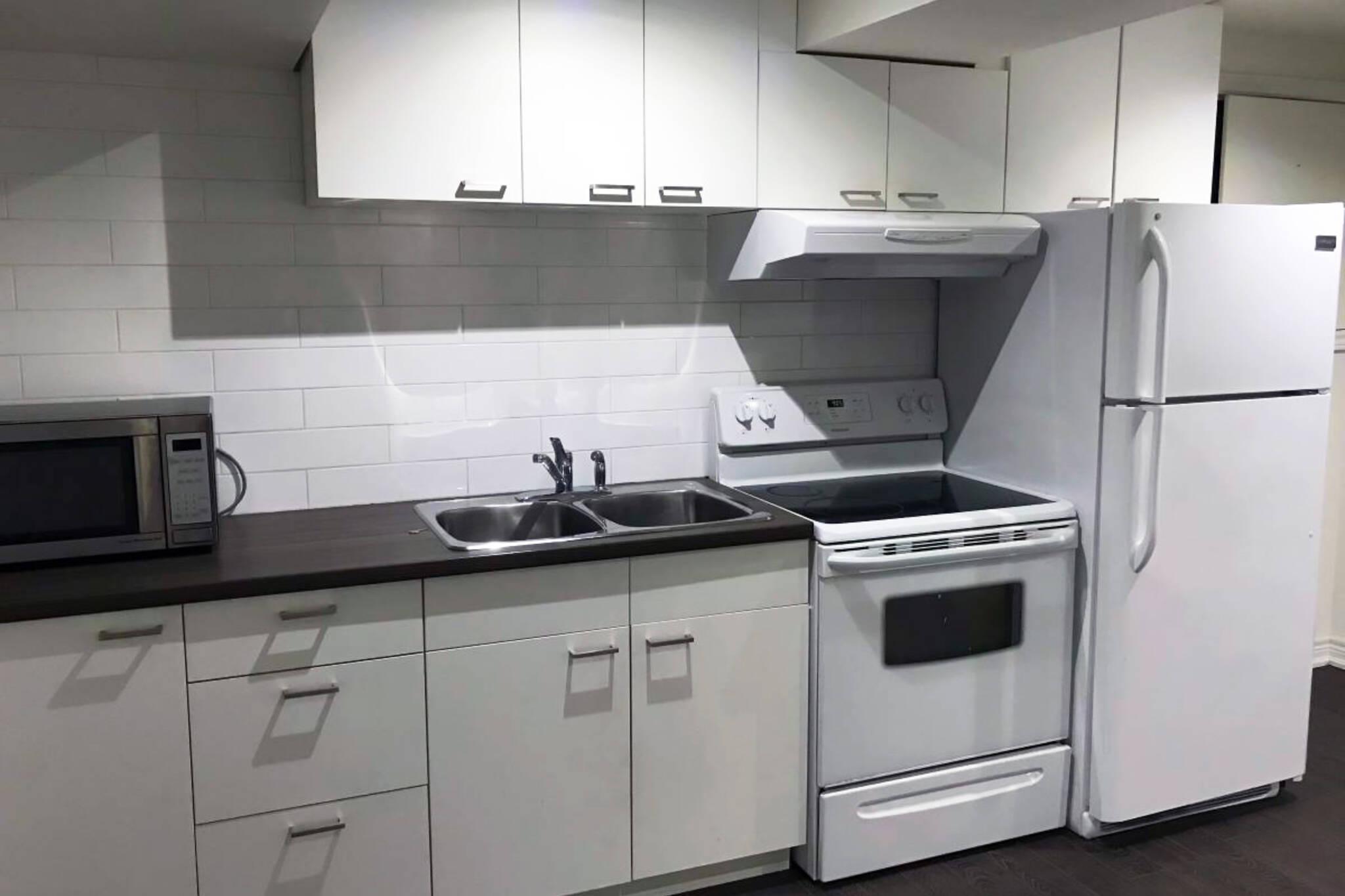1500 apartment toronto