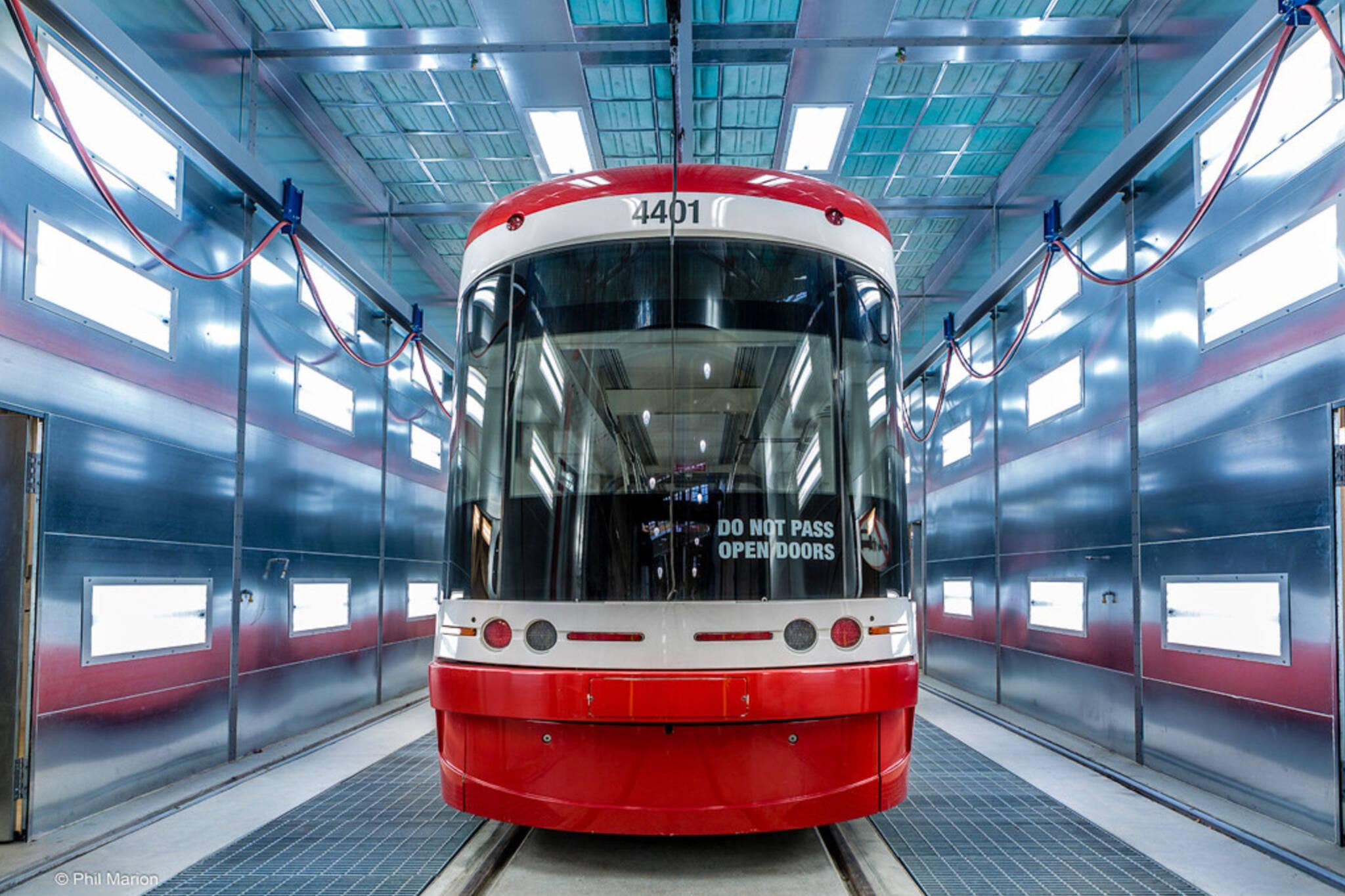 santas streetcar