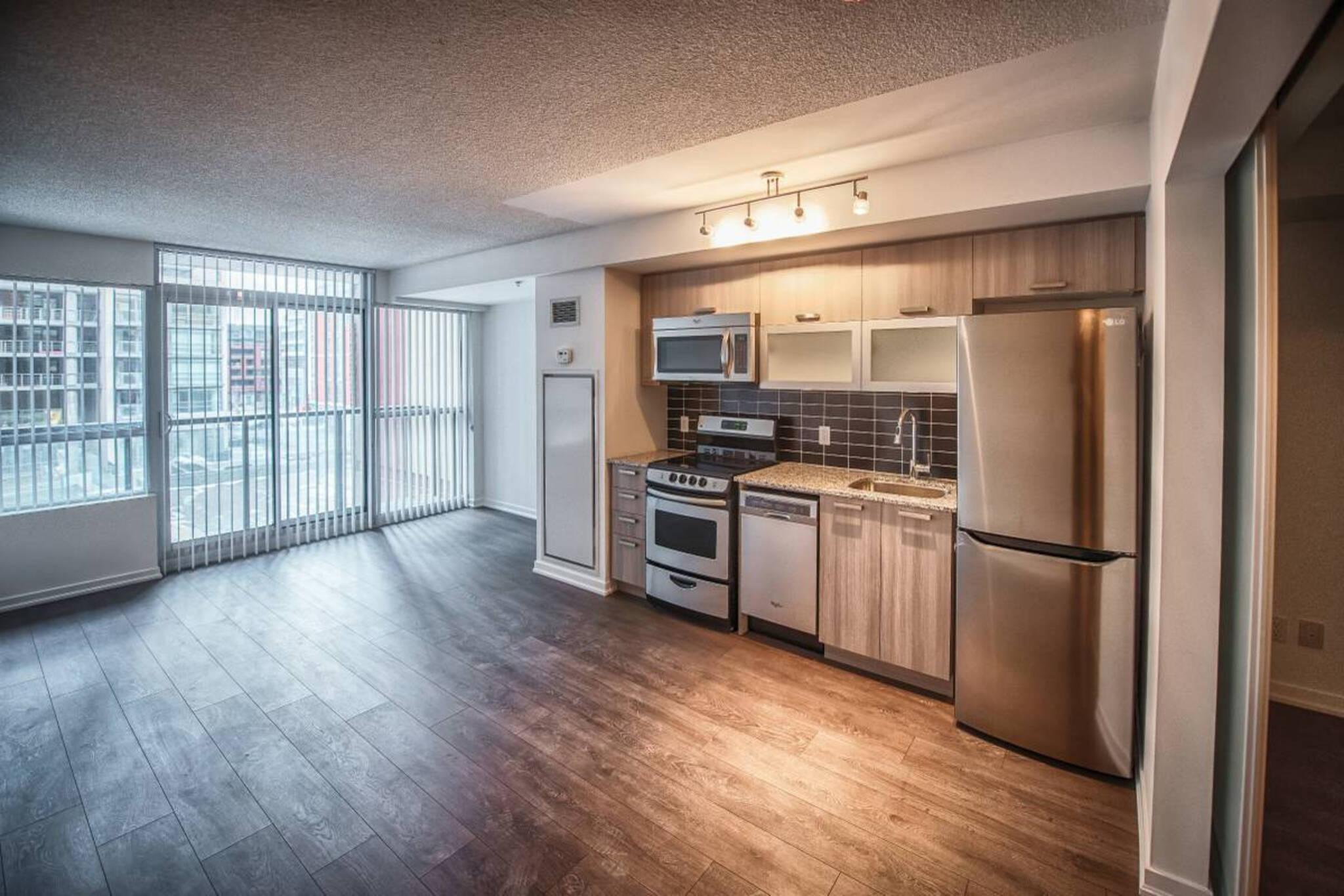 1750 apartment toronto