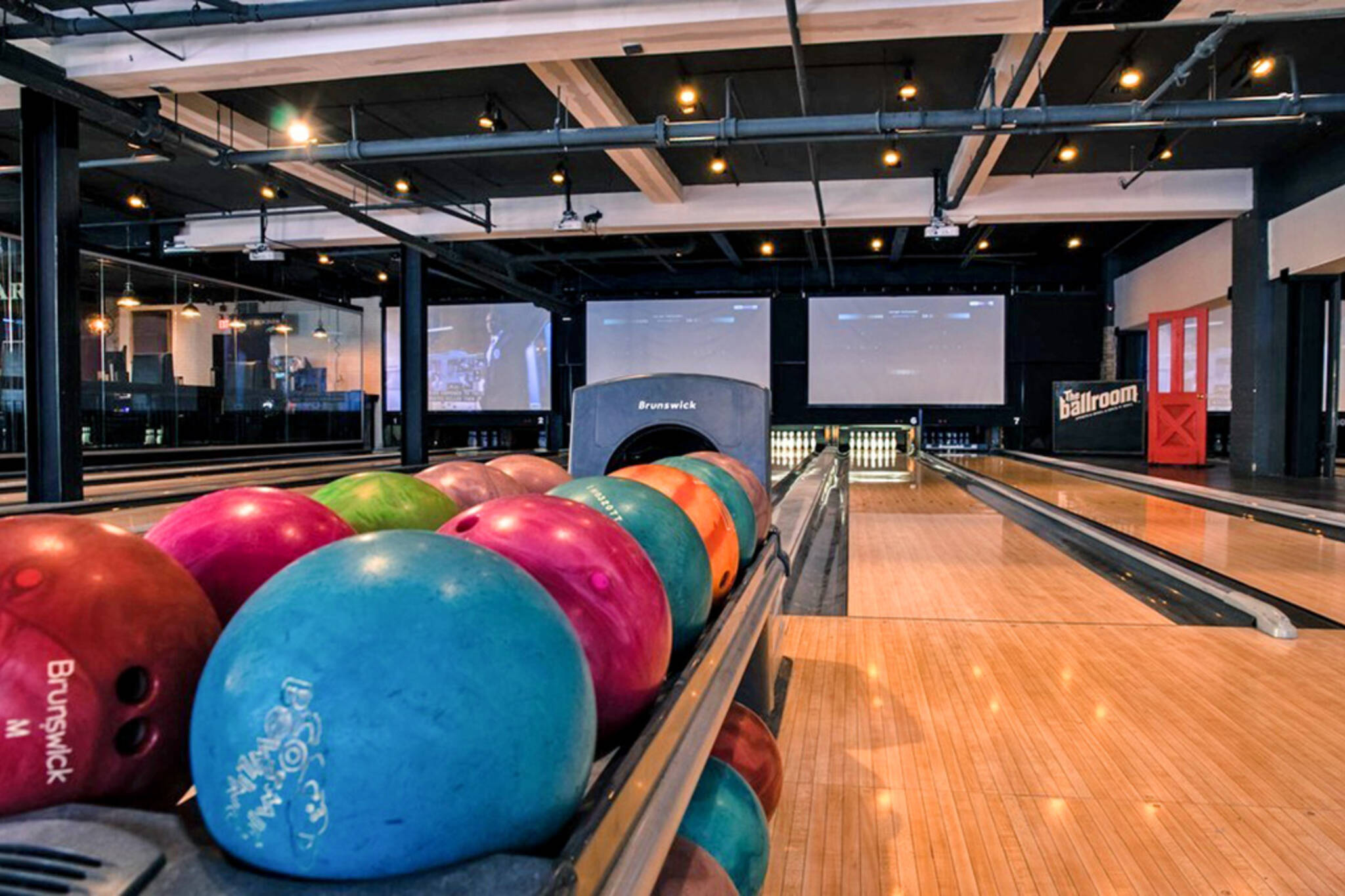 Bowling alleys in Toronto