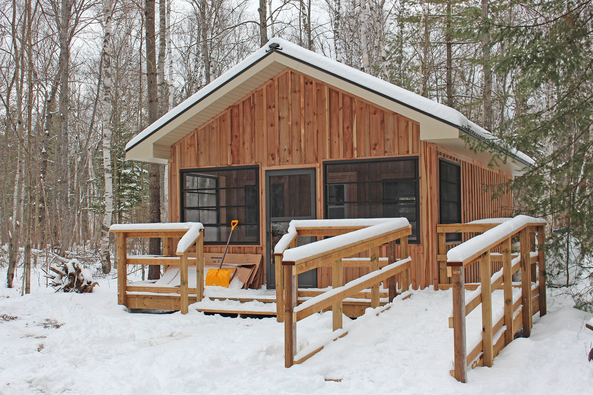 5 campsites with heated cabins and yurts near toronto for Nearby campgrounds with cabins