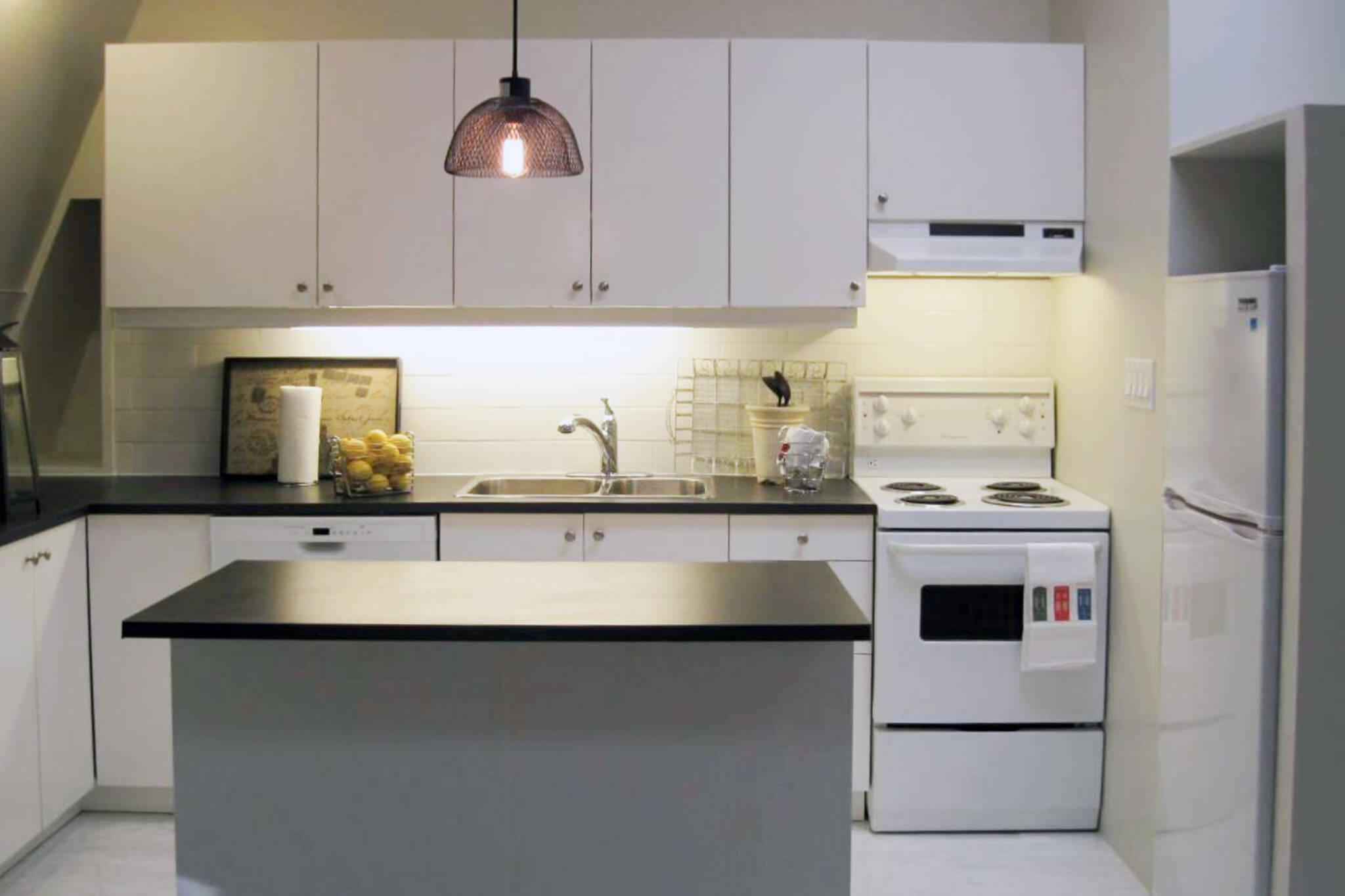 2000 apartments Toronto