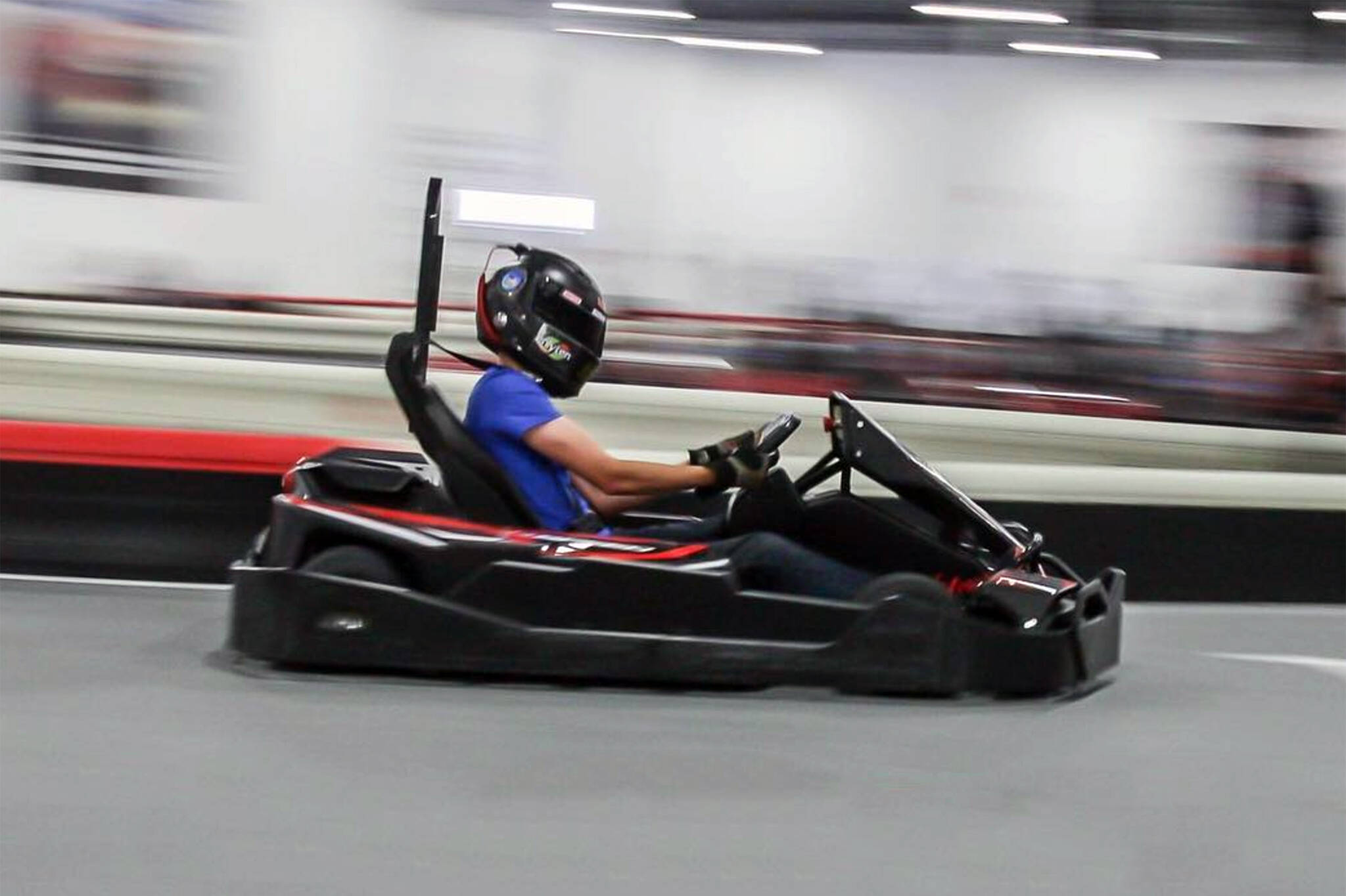 Arlington K1 Speed Arlington. The K1 Speed Arlington kart track is located near Six Flags Hurricane Harbor. Track offers arrive and drive indoor go kart racing 7 days a week with no reservations required.