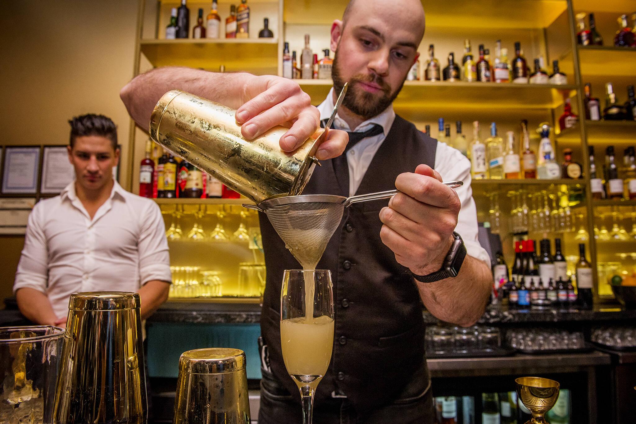cocktail bars toronto