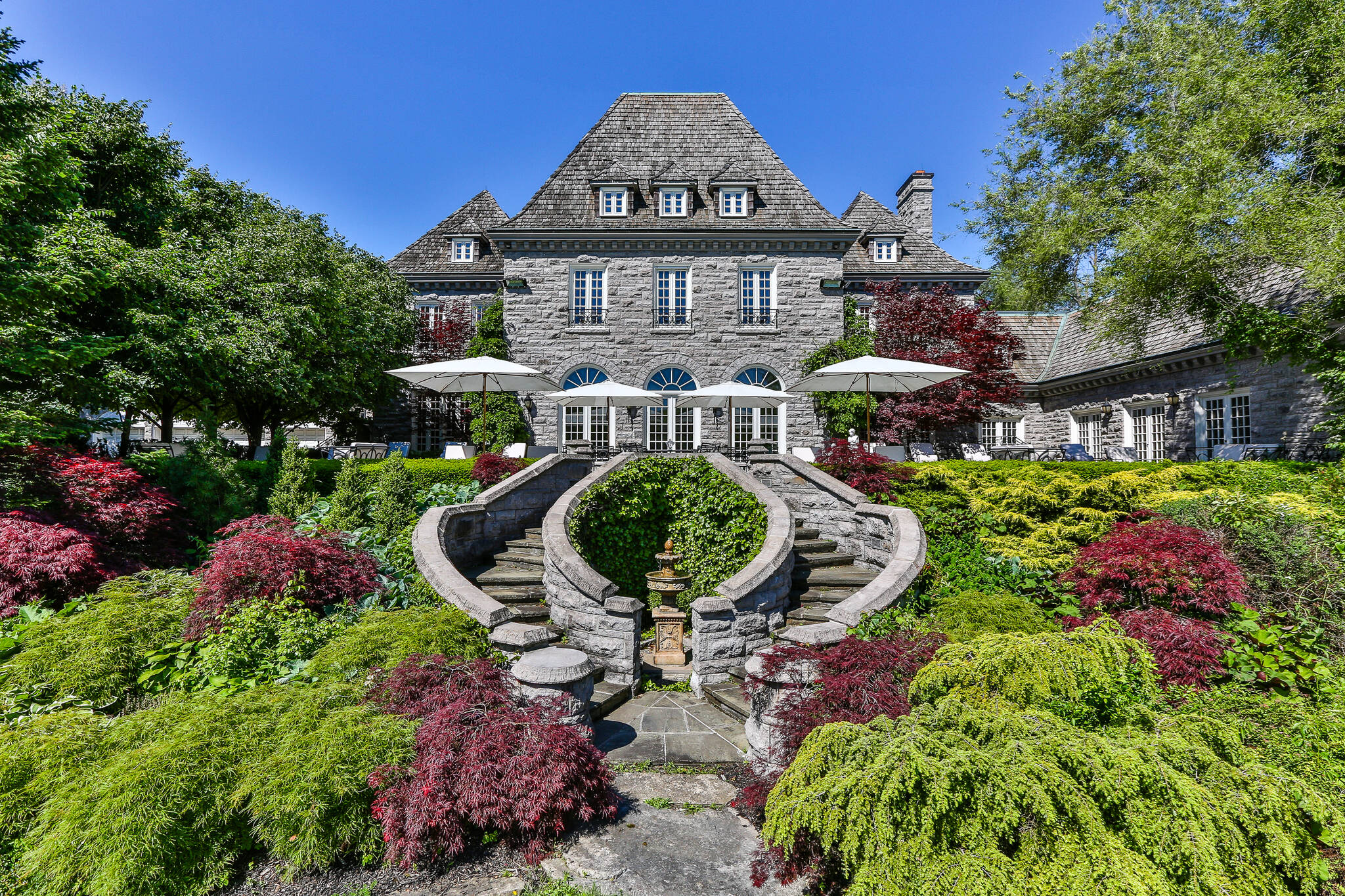The 10 most expensive homes for sale in toronto for Least expensive house to build
