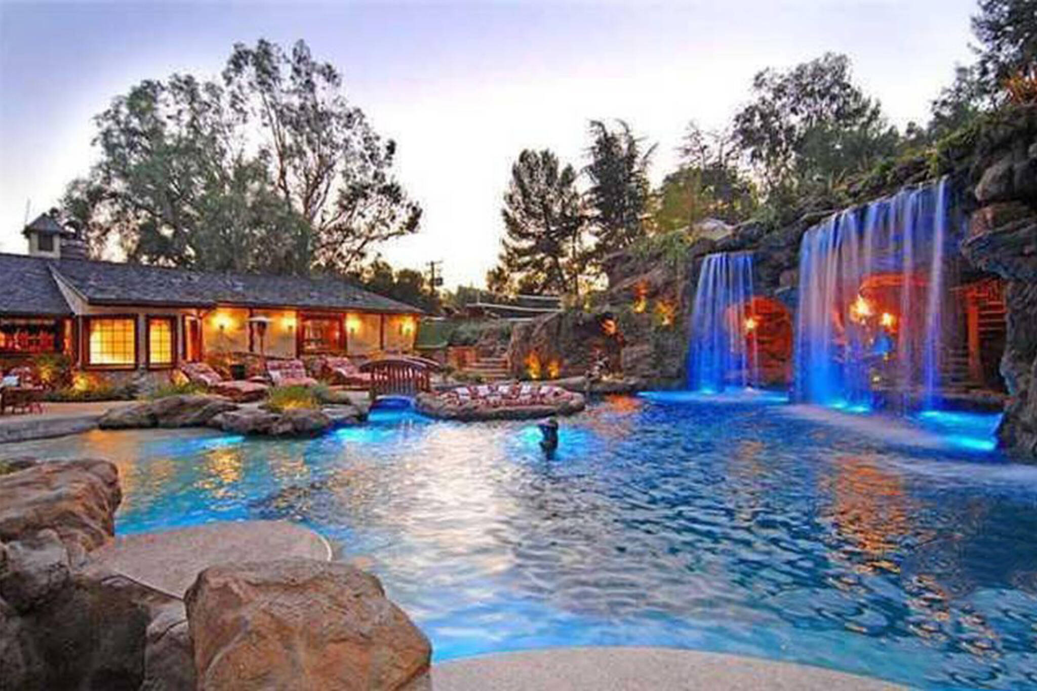 Drake LA mansion