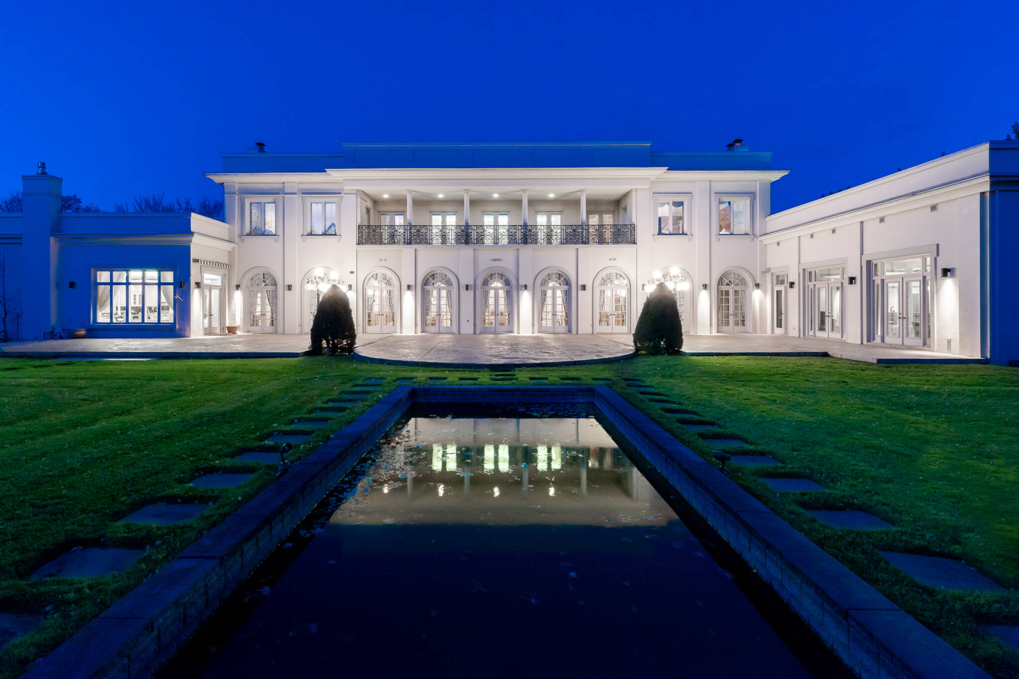 The 5 most expensive houses for sale in toronto for Luxurious houses for sale