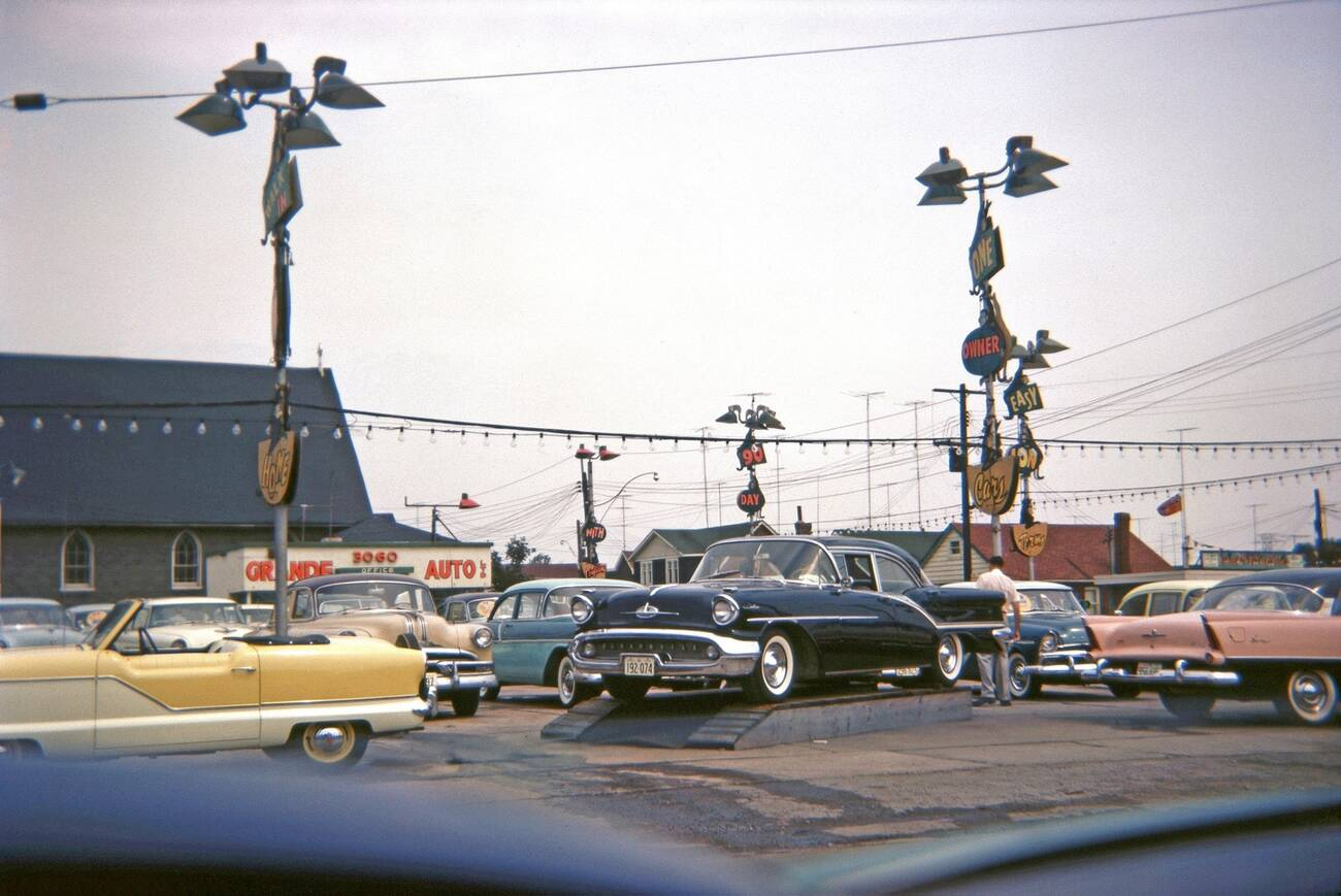 What car dealerships used to look like in Toronto