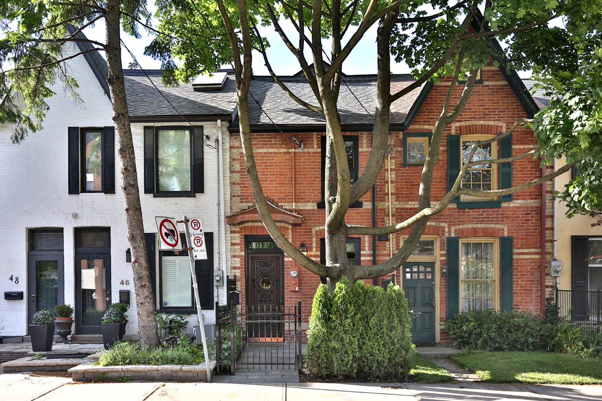 44 belmont street toronto
