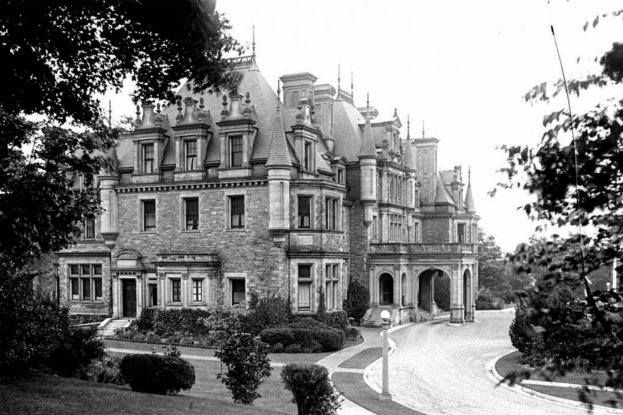 How Toronto Demolished The Finest Mansion In Canada