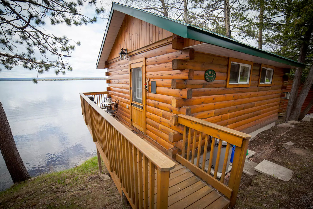 10 Cheap Waterfront Cottage Rentals Near Toronto