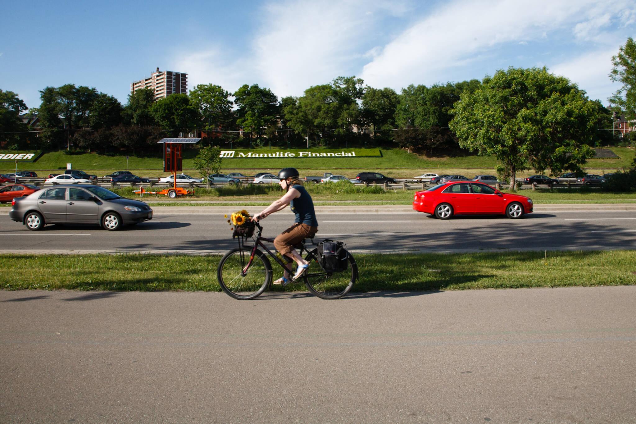 lakeshore bike lanes toronto