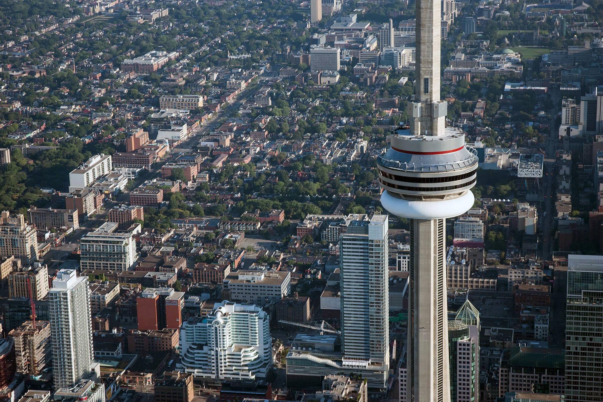 How Toronto got the CN Tower