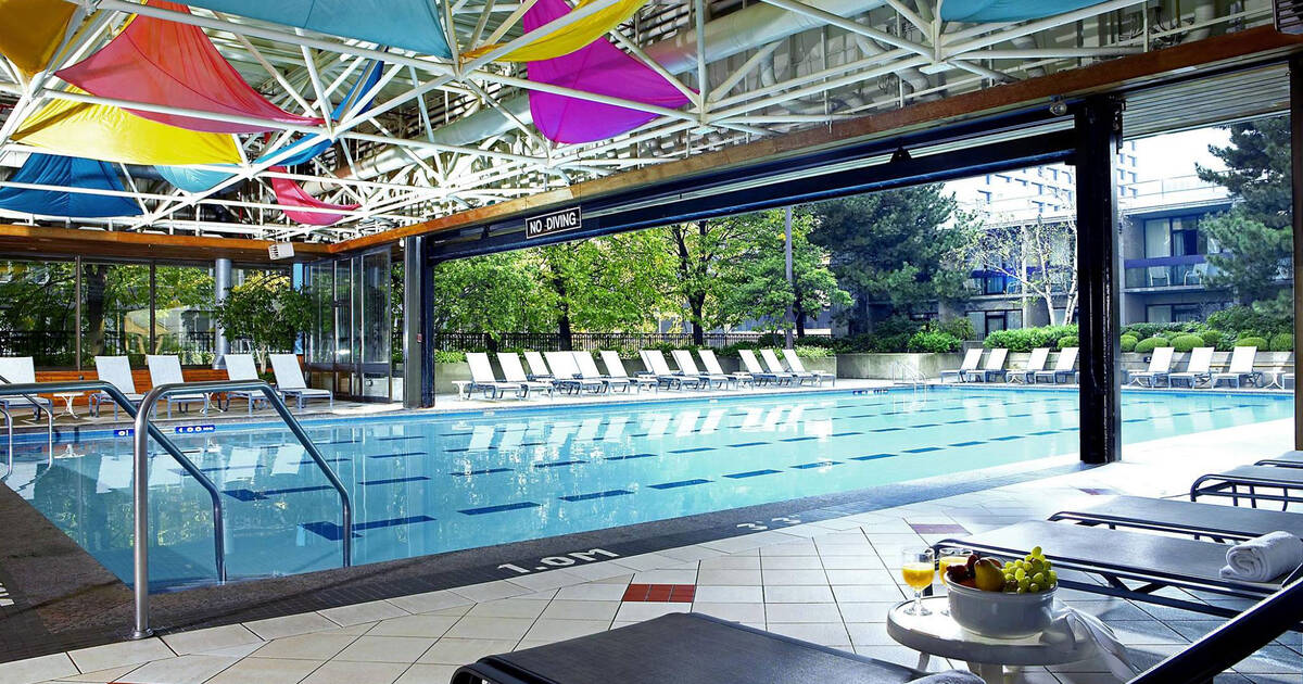 Hotel Swimming Pools Open To The Public In Toronto