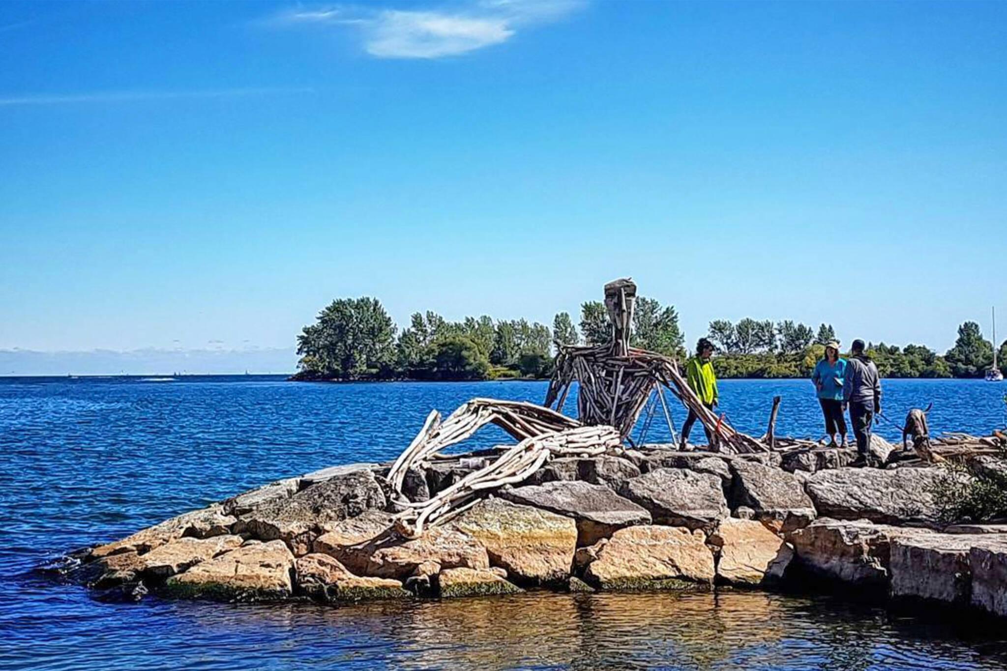 toronto waterfront sculpture