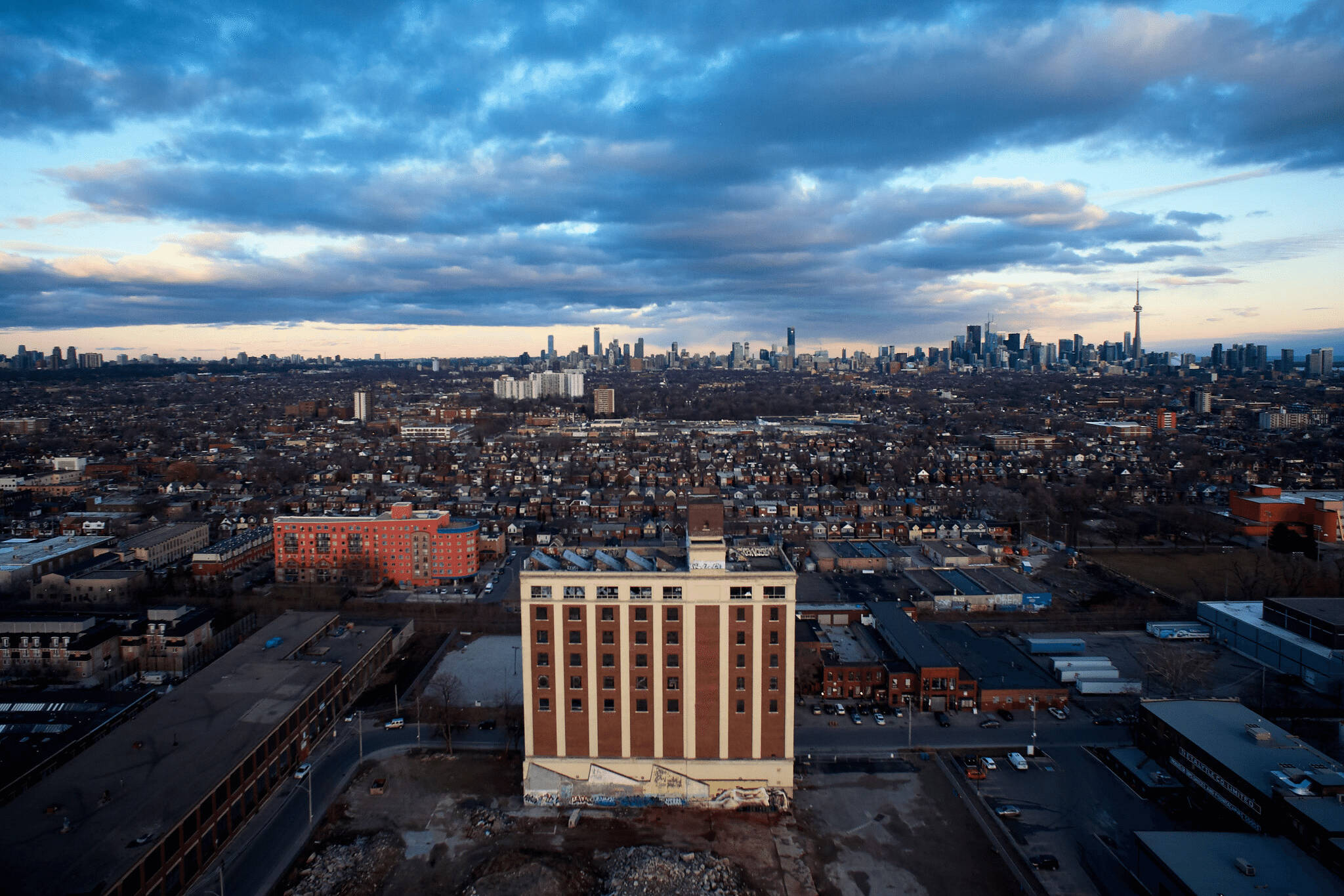 The Top 33 Iconic Buildings In Toronto By Neighbourhood