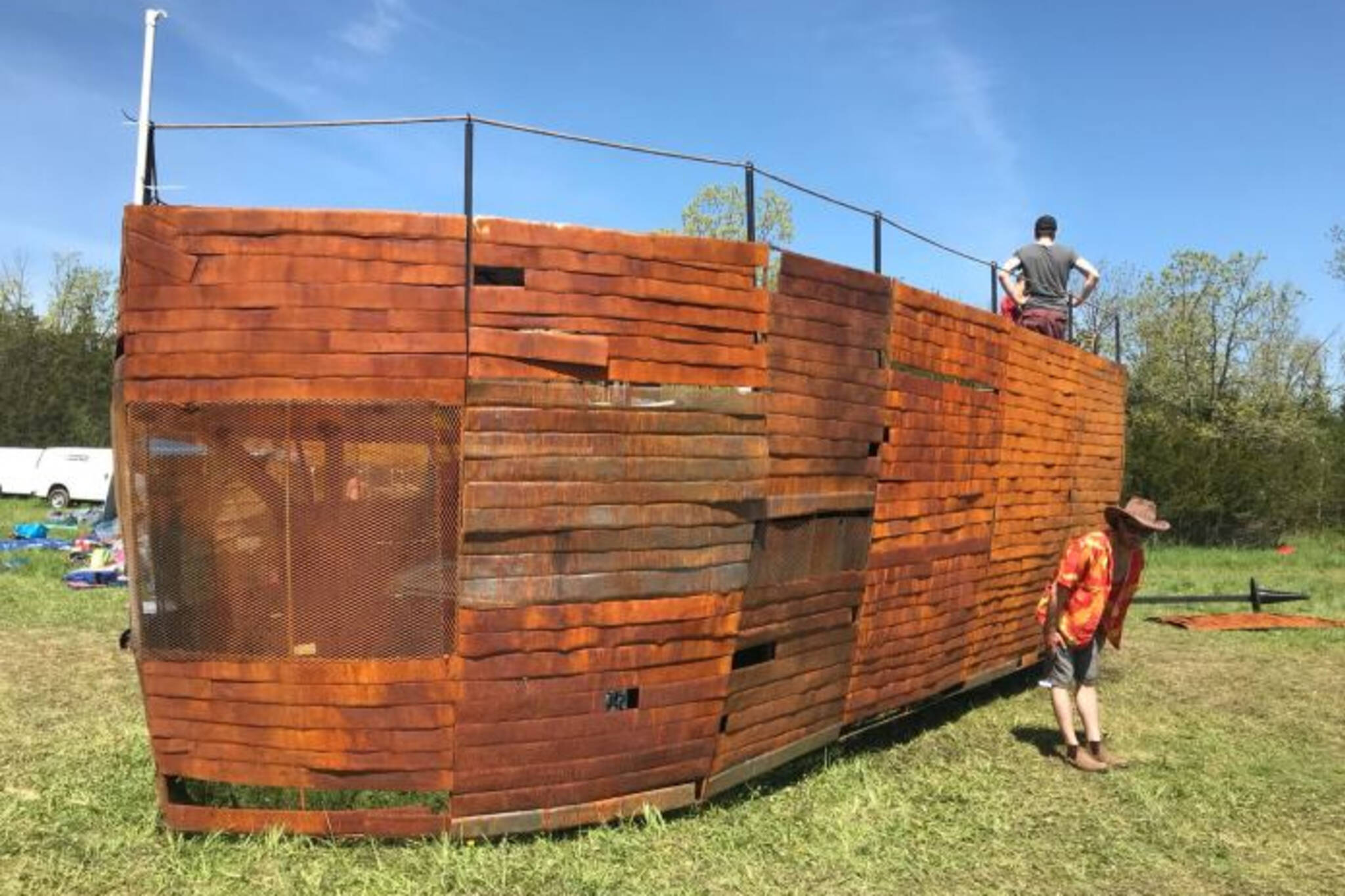 O Neil Gmc >> Someone is building a mini version of Noah's Ark in Toronto
