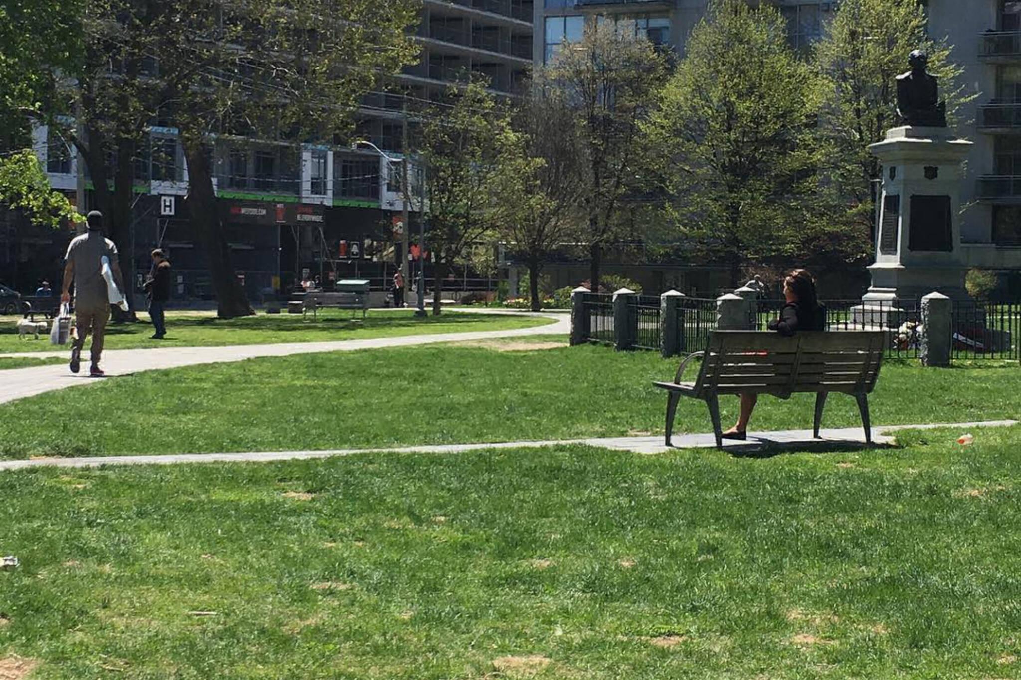 victoria memorial square park