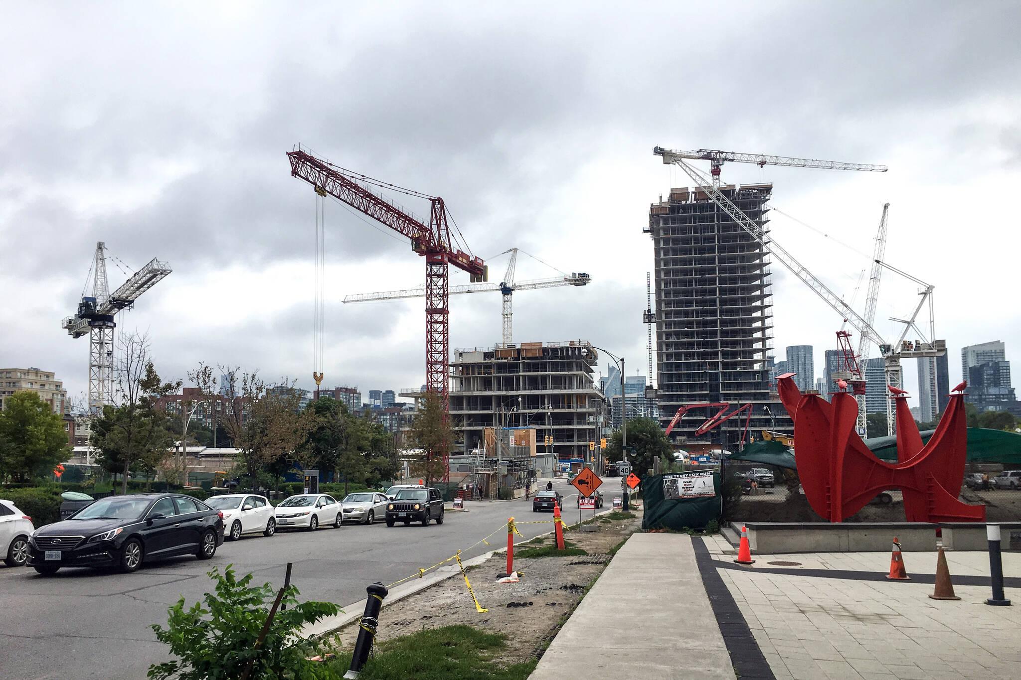 Toronto crane count