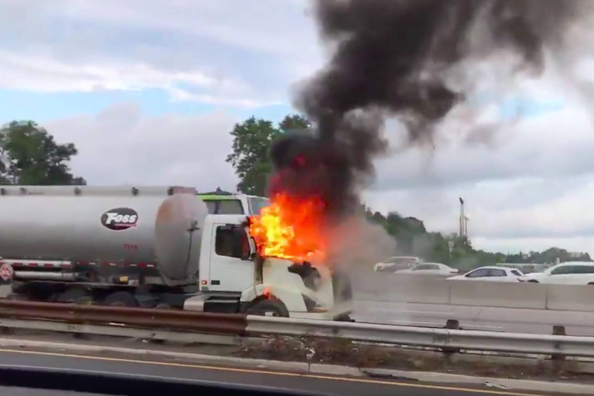 truck fire 401