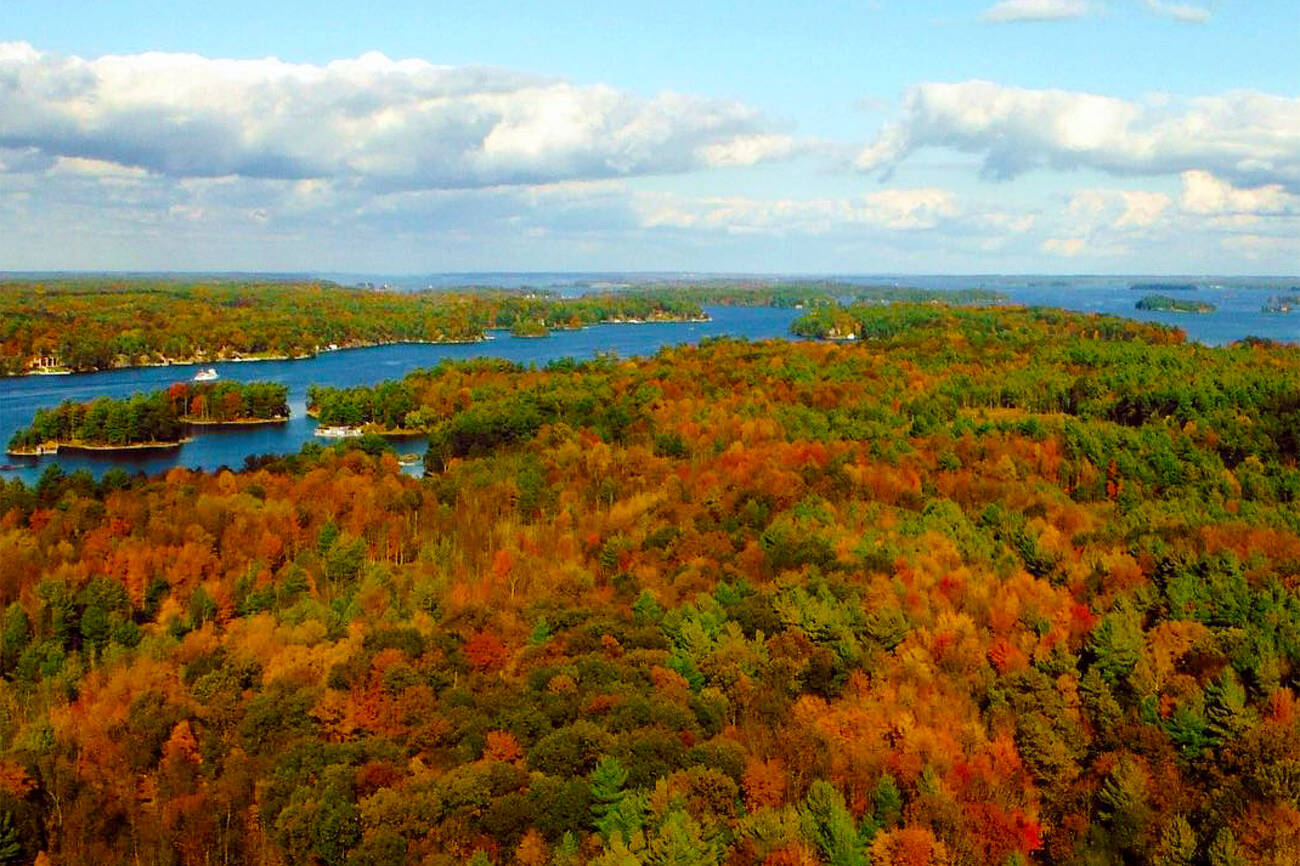 This skydeck in Ontario comes with unreal views of fall colours