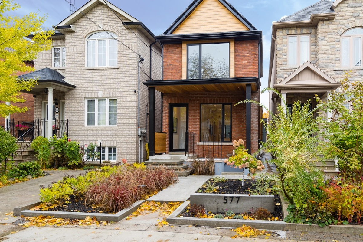 Sold! Toronto home sells for 310K above asking