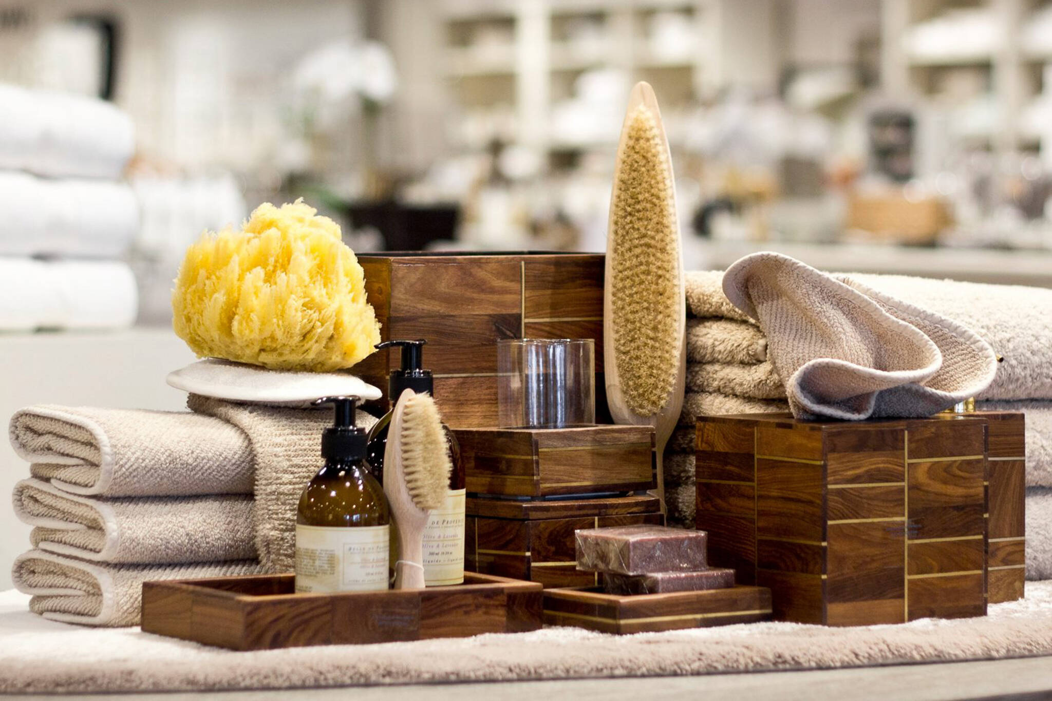 The top 10 bath stores in toronto for Best bathroom stores toronto