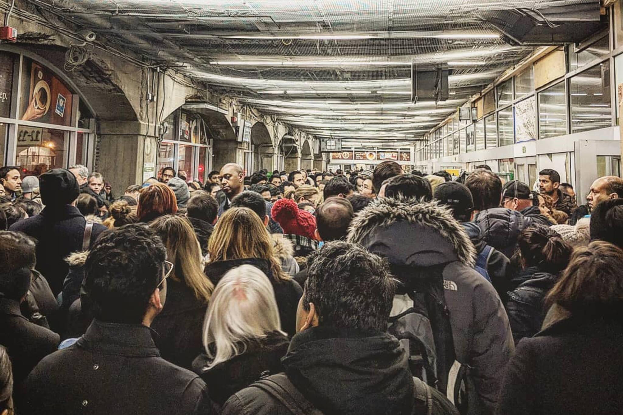 union station crowding
