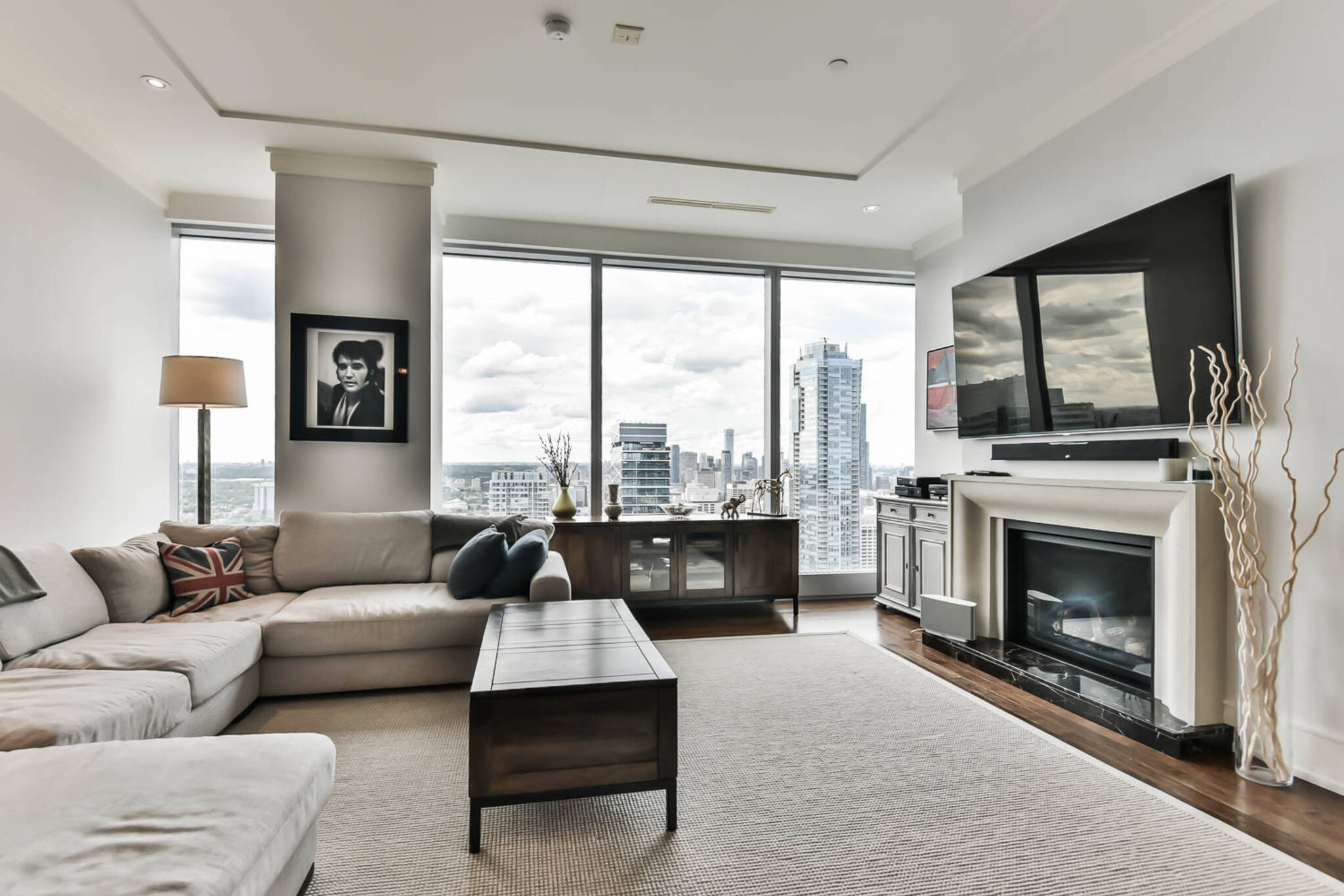 ritz carlton rental toronto